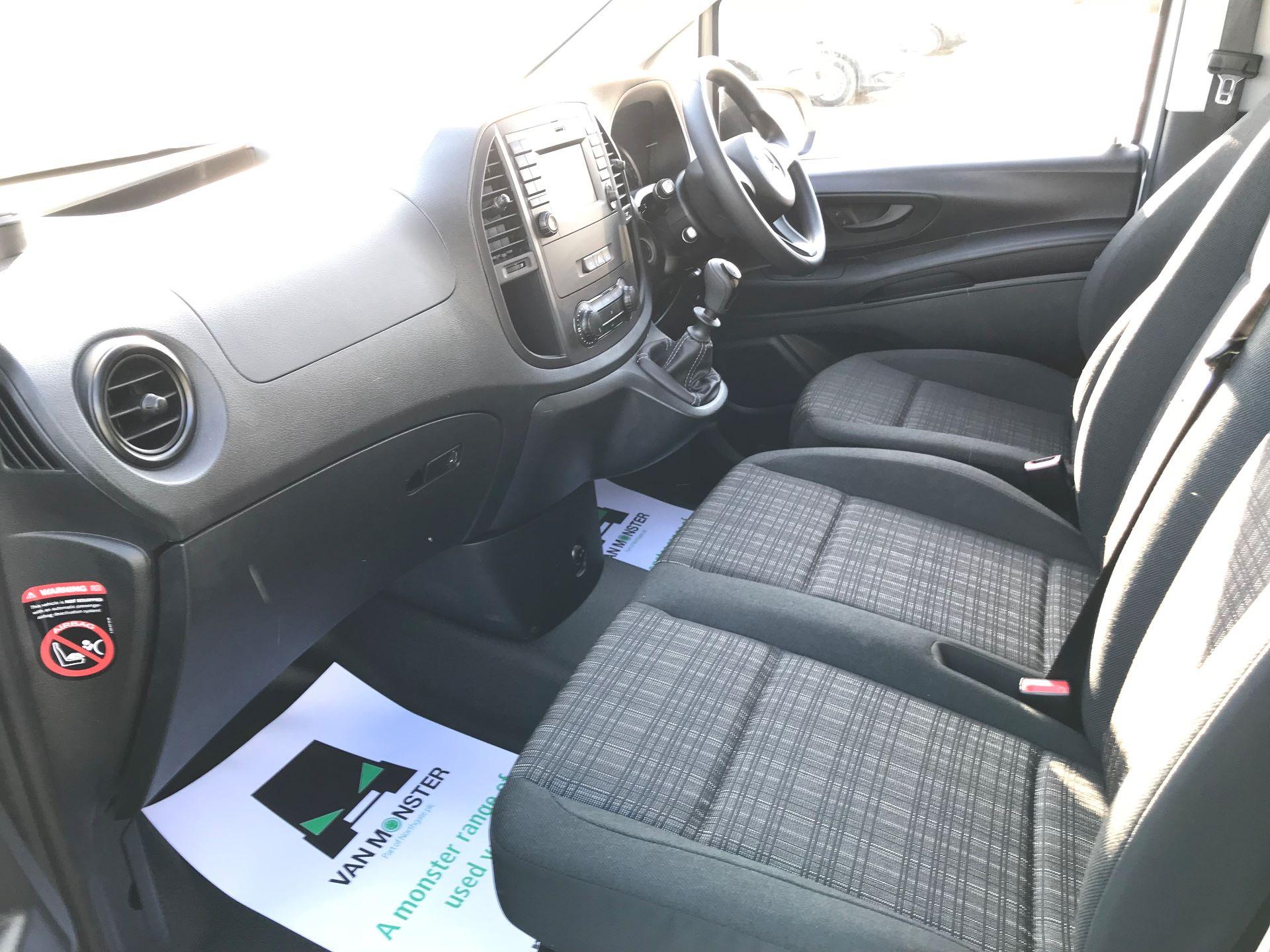 2019 Mercedes-Benz Vito 114Cdi Van (KO19BDE) Image 22