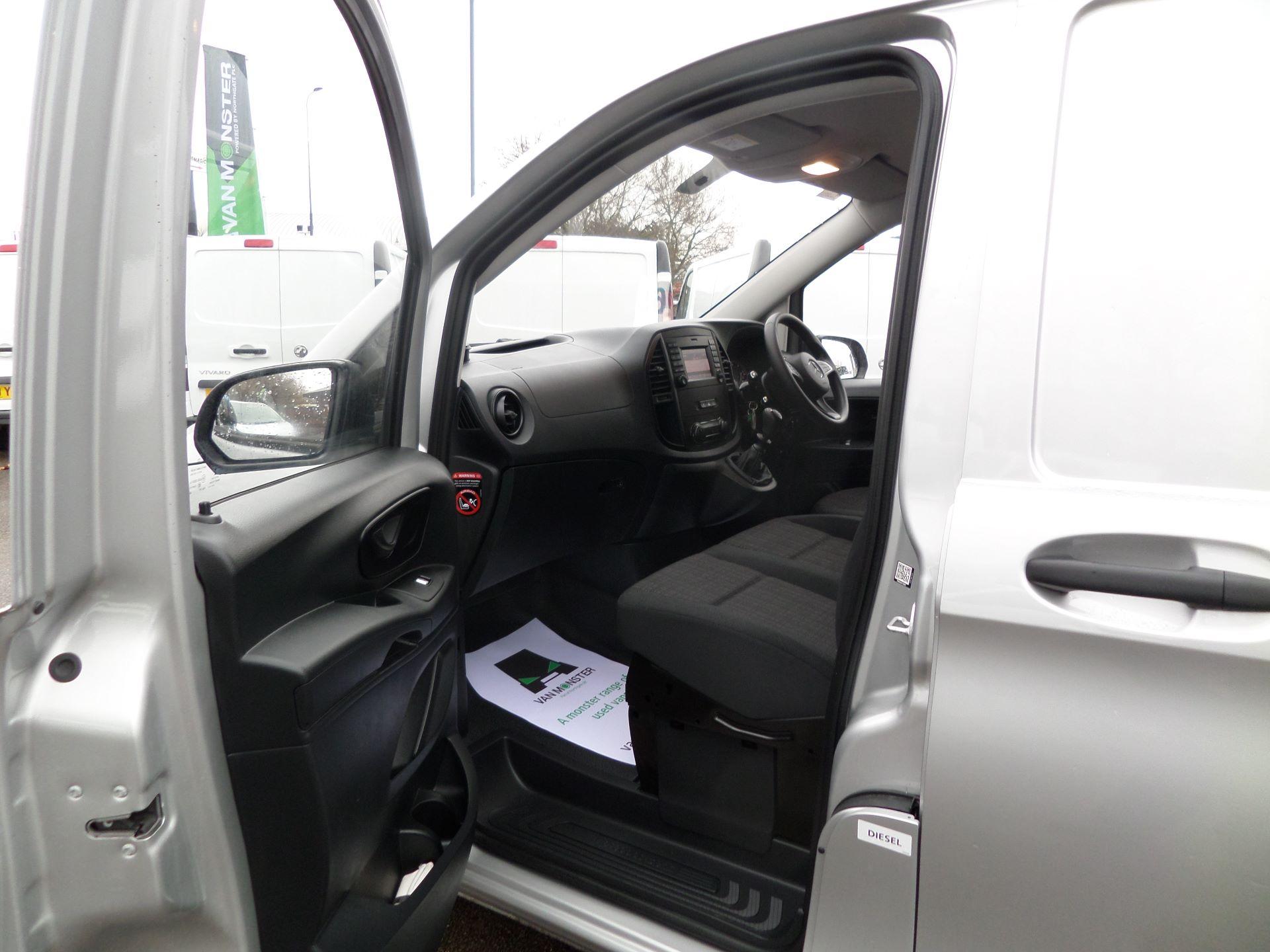 2019 Mercedes-Benz Vito 114Cdi LWB Van Euro 6 (KO19BGF) Image 8