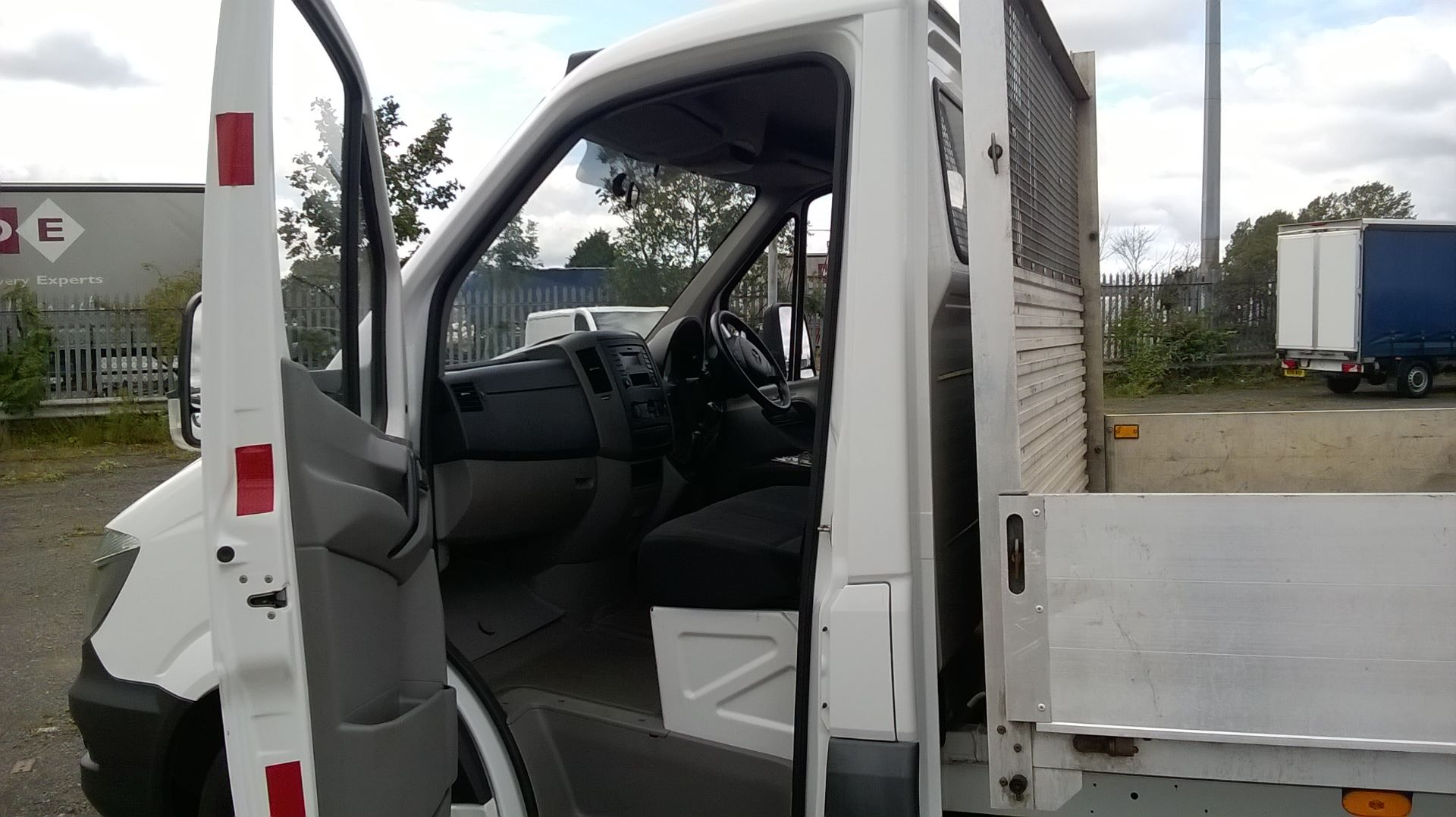 2016 Mercedes-Benz Sprinter 3.5T Chassis Cab  (VALUE RANGE VEHICLE CONDITION REFLECTED IN PRICE (KP16YZF) Image 9