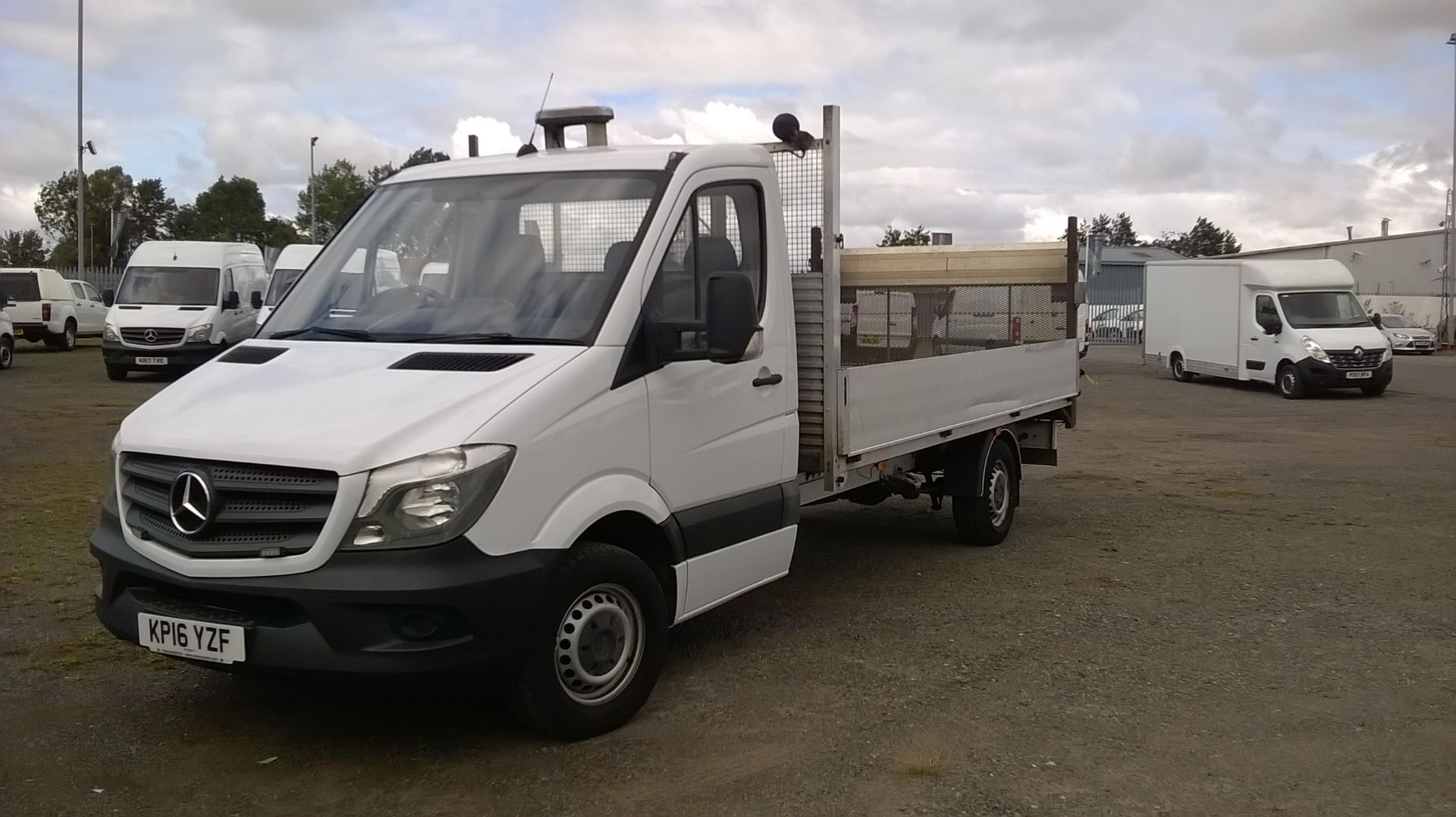 2016 Mercedes-Benz Sprinter 3.5T Chassis Cab  (VALUE RANGE VEHICLE CONDITION REFLECTED IN PRICE (KP16YZF) Image 8