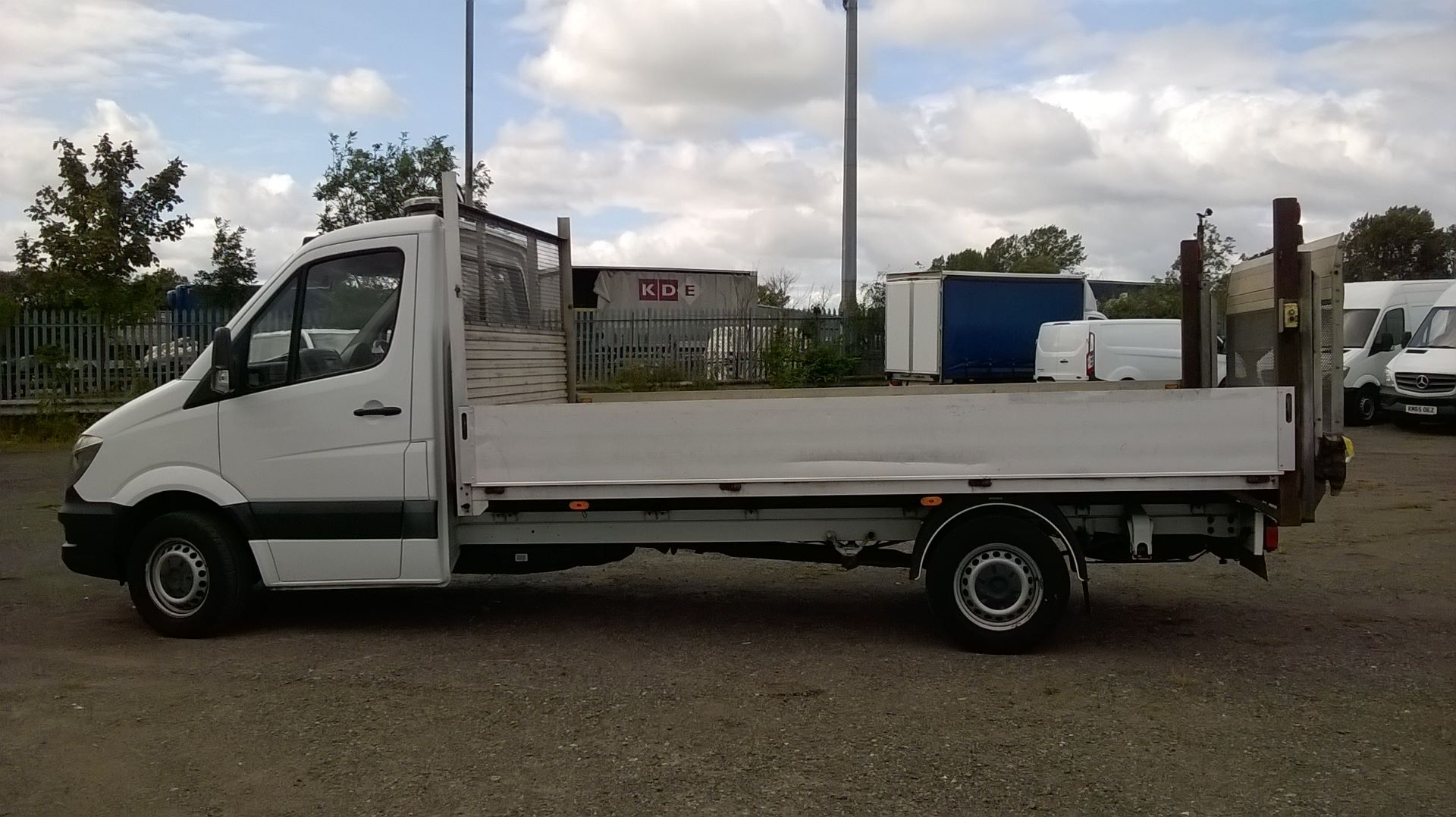 2016 Mercedes-Benz Sprinter 3.5T Chassis Cab  (VALUE RANGE VEHICLE CONDITION REFLECTED IN PRICE (KP16YZF) Image 7