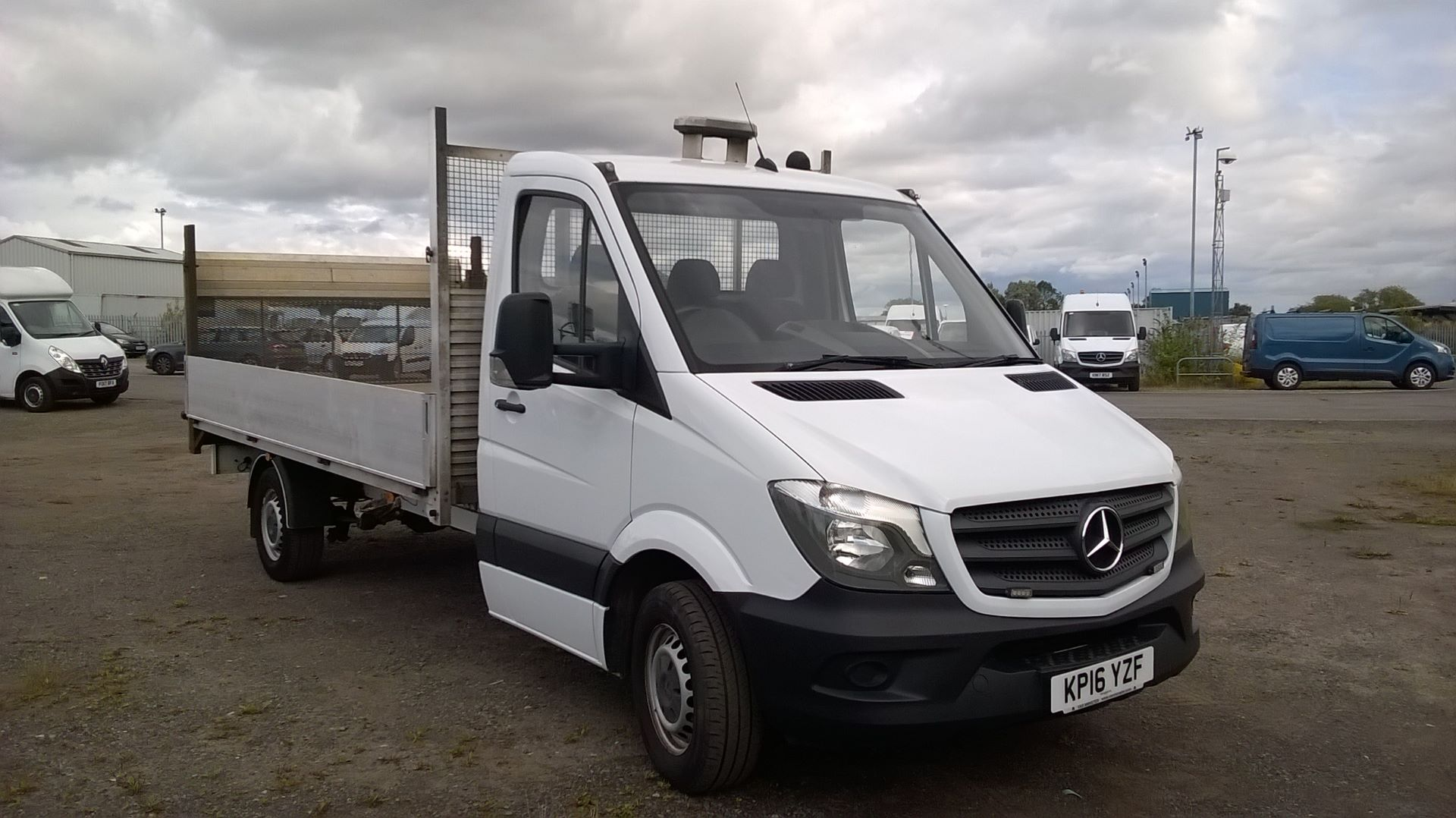 2016 Mercedes-Benz Sprinter 3.5T Chassis Cab  (VALUE RANGE VEHICLE CONDITION REFLECTED IN PRICE (KP16YZF)