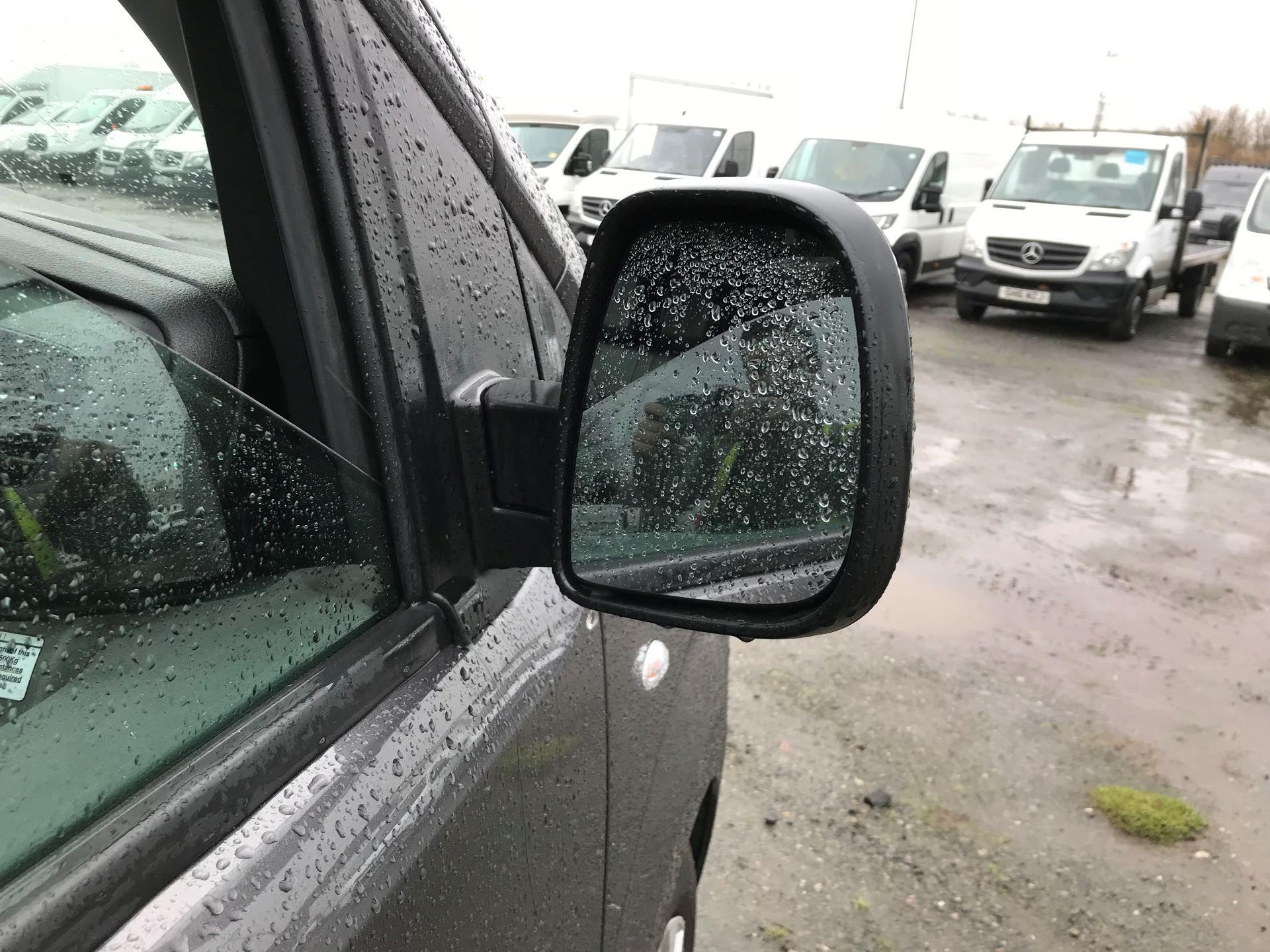 2018 Toyota Proace 1.6D 95 Comfort Van (KP18DXU) Image 10