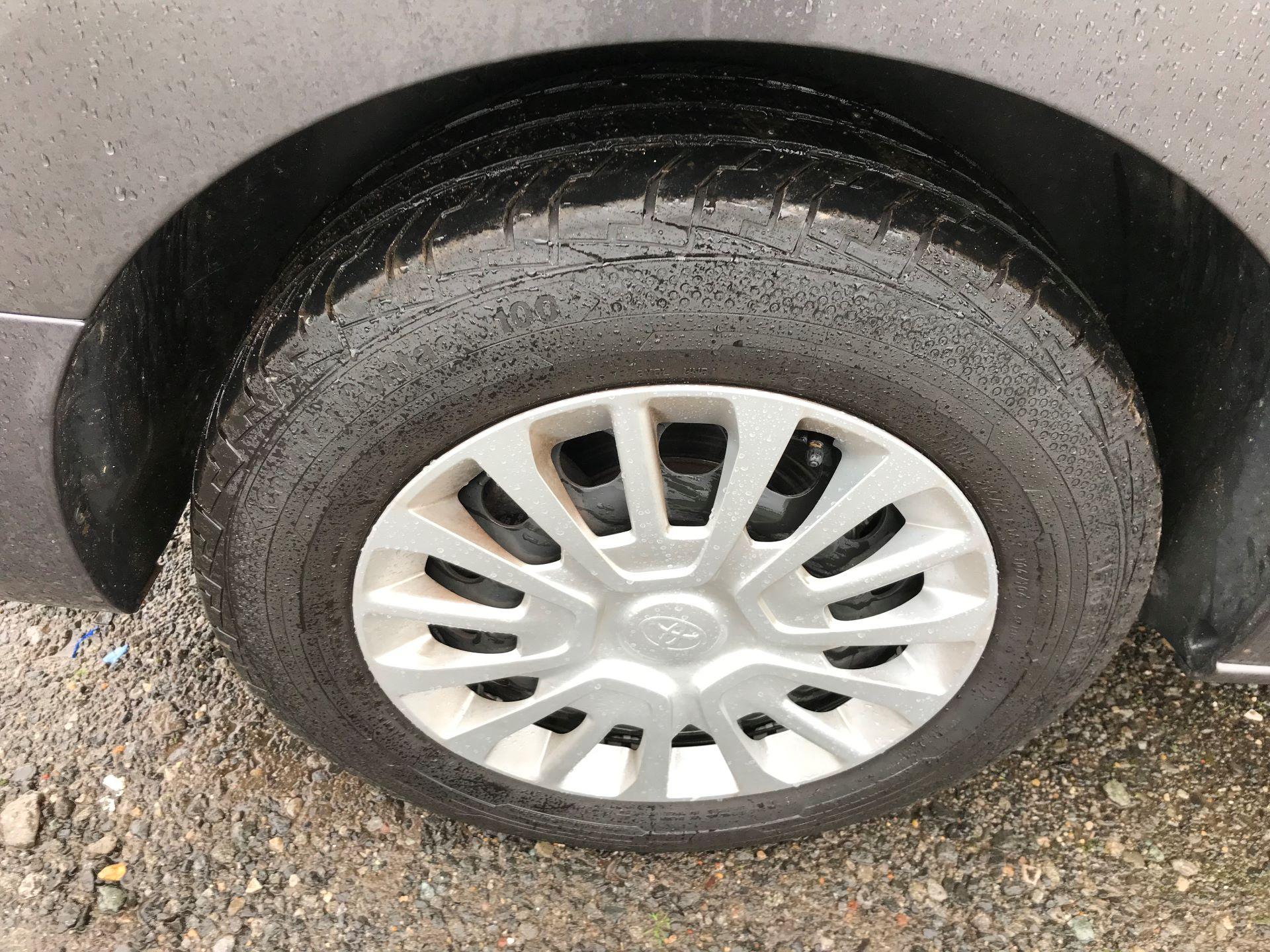 2018 Toyota Proace 1.6D 95 Comfort Van (KP18DXU) Image 9