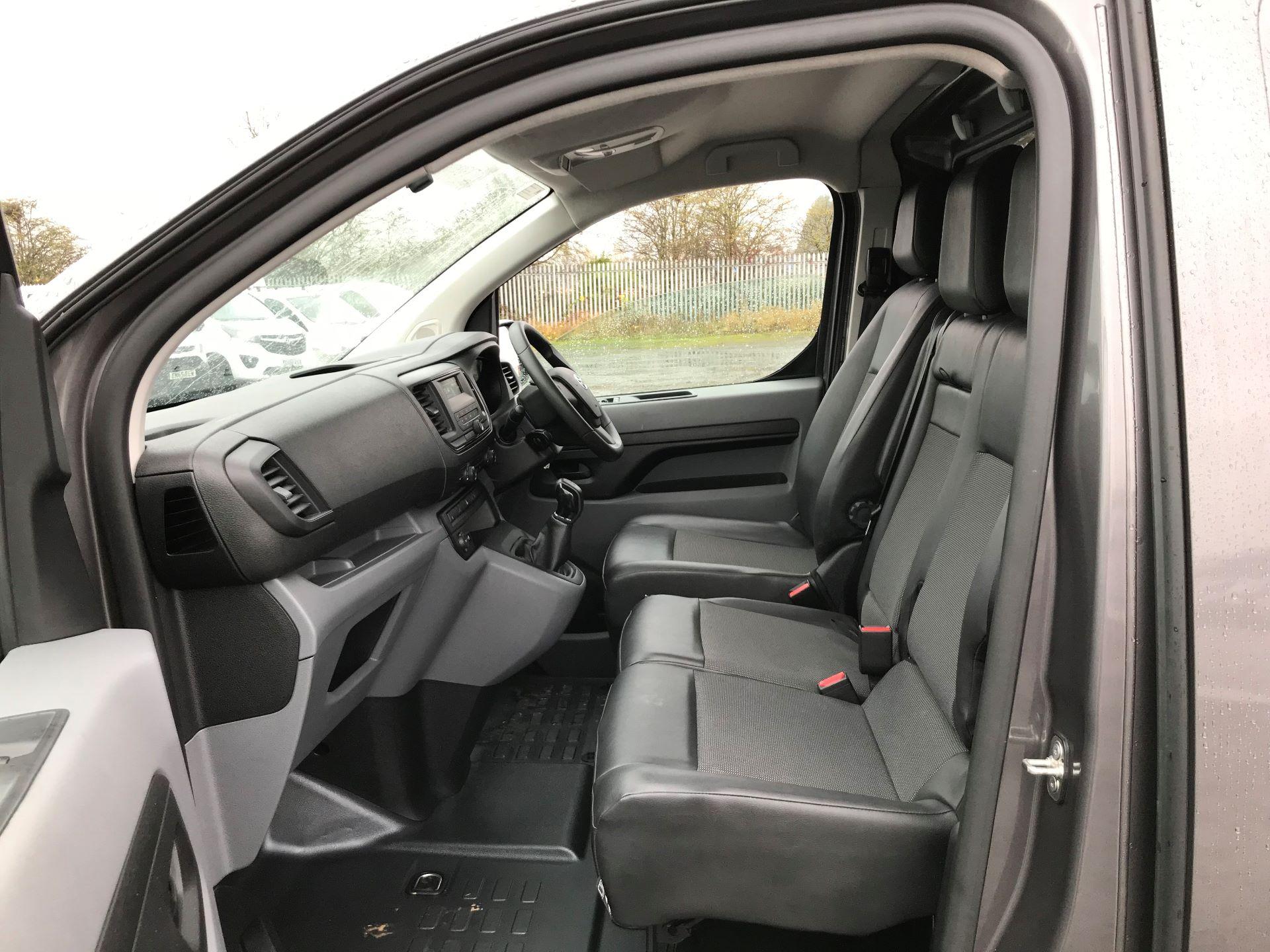2018 Toyota Proace 1.6D 95 Comfort Van (KP18DXU) Image 12