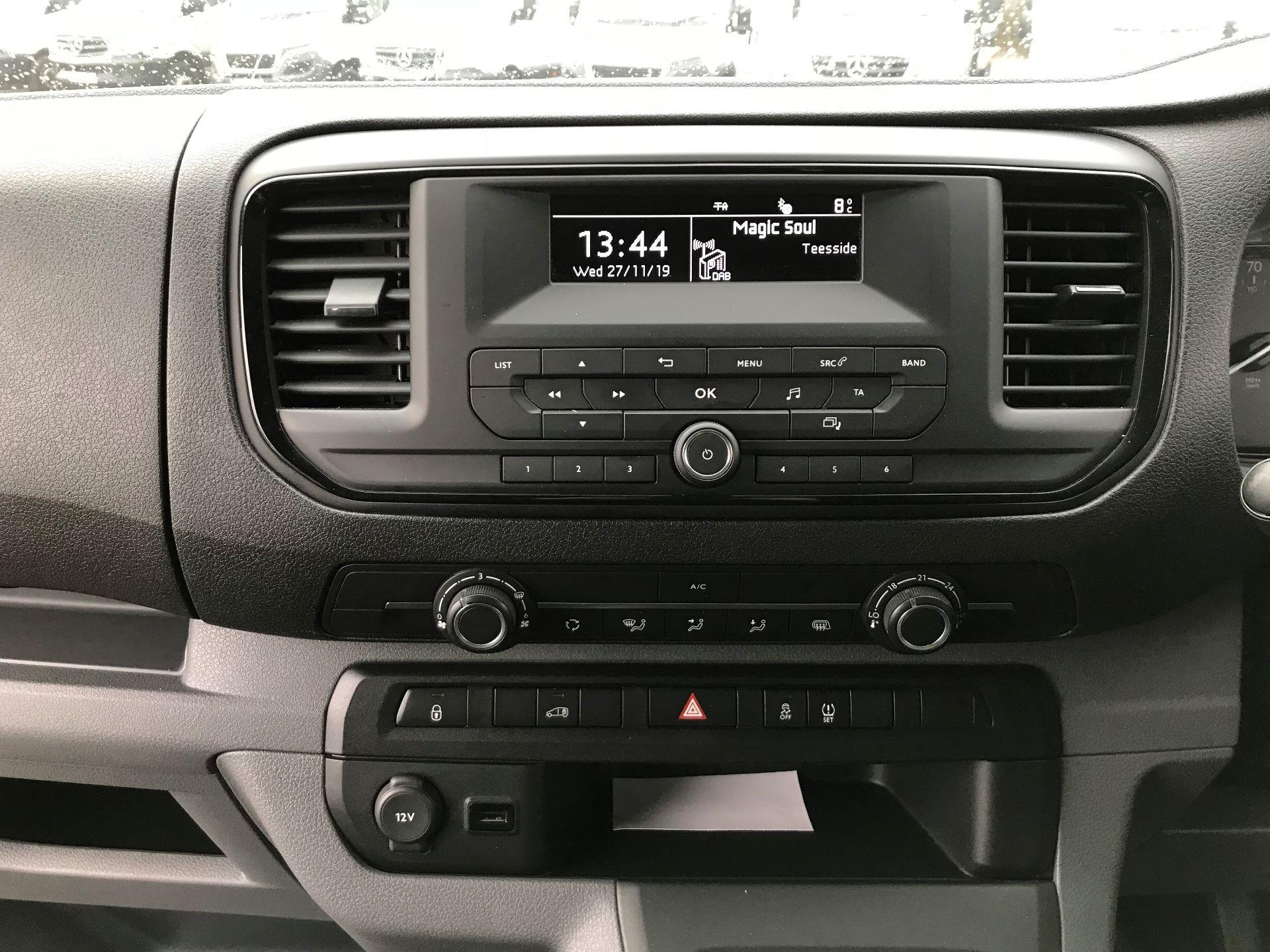 2018 Toyota Proace 1.6D 95 Comfort Van (KP18DXU) Image 14