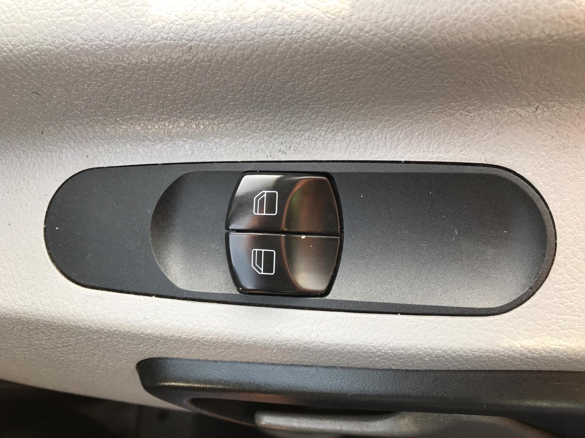 2014 Mercedes-Benz Sprinter 313 LWB LONG LUTON EURO 5 (KP64STX) Image 20