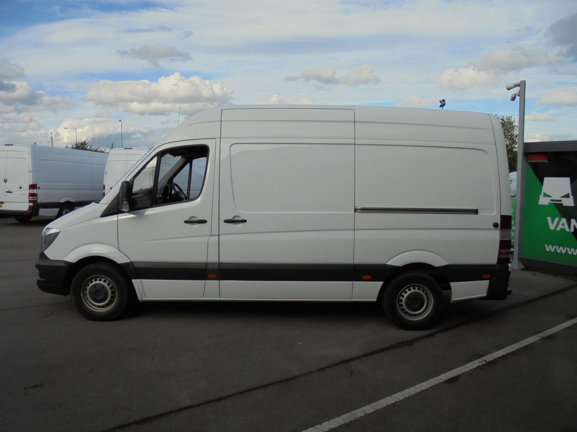 2016 Mercedes-Benz Sprinter 3.5T High Roof Van MWB (KP66HTY) Thumbnail 4