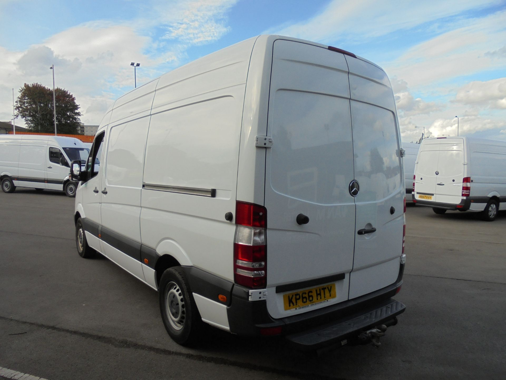 2016 Mercedes-Benz Sprinter 3.5T High Roof Van MWB (KP66HTY) Thumbnail 5