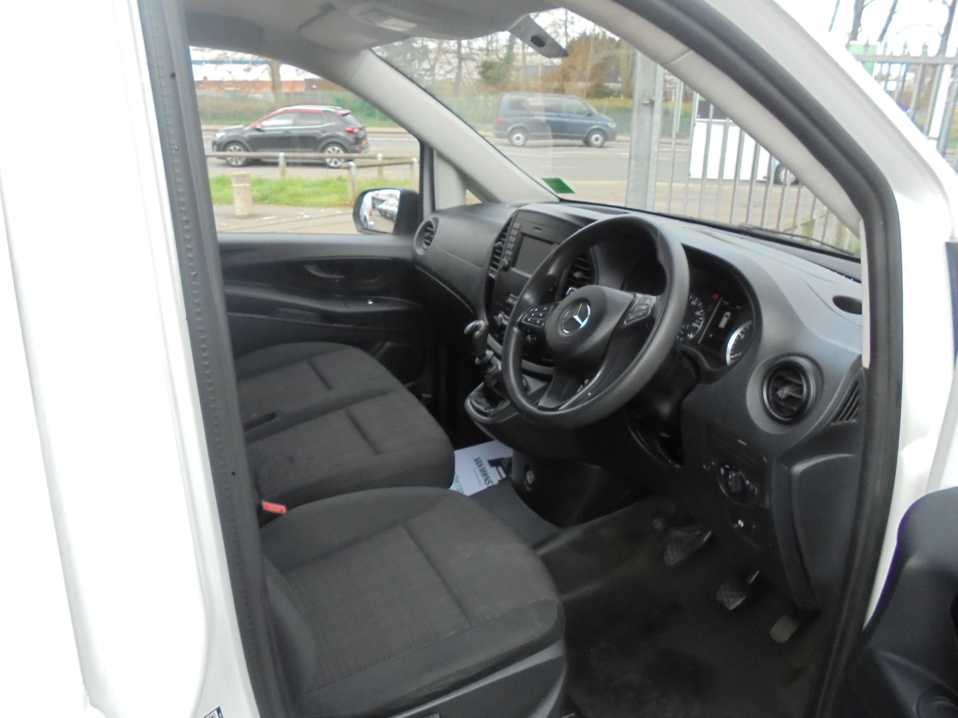 2017 Mercedes-Benz Vito LONG 111 CDI VAN EURO 6 (KP67EHL) Image 12