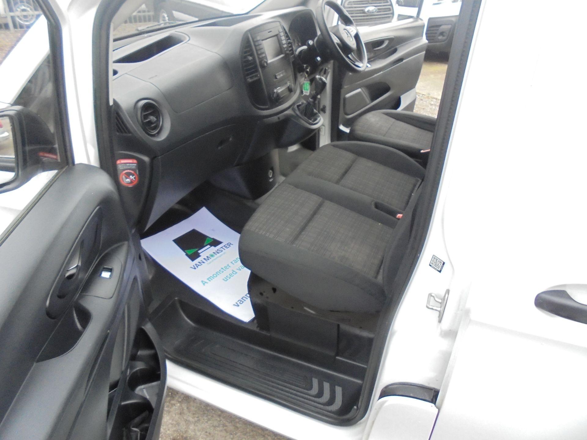 2017 Mercedes-Benz Vito LONG 111 CDI VAN EURO 6 (KP67EHL) Image 17