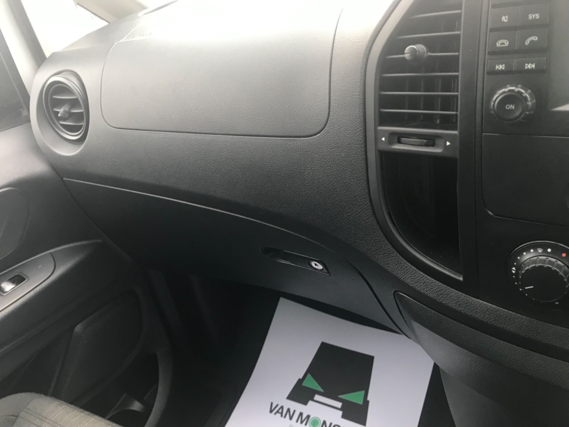2017 Mercedes-Benz Vito LONG 111CDI VAN EURO 6  (KP67EJC) Image 15