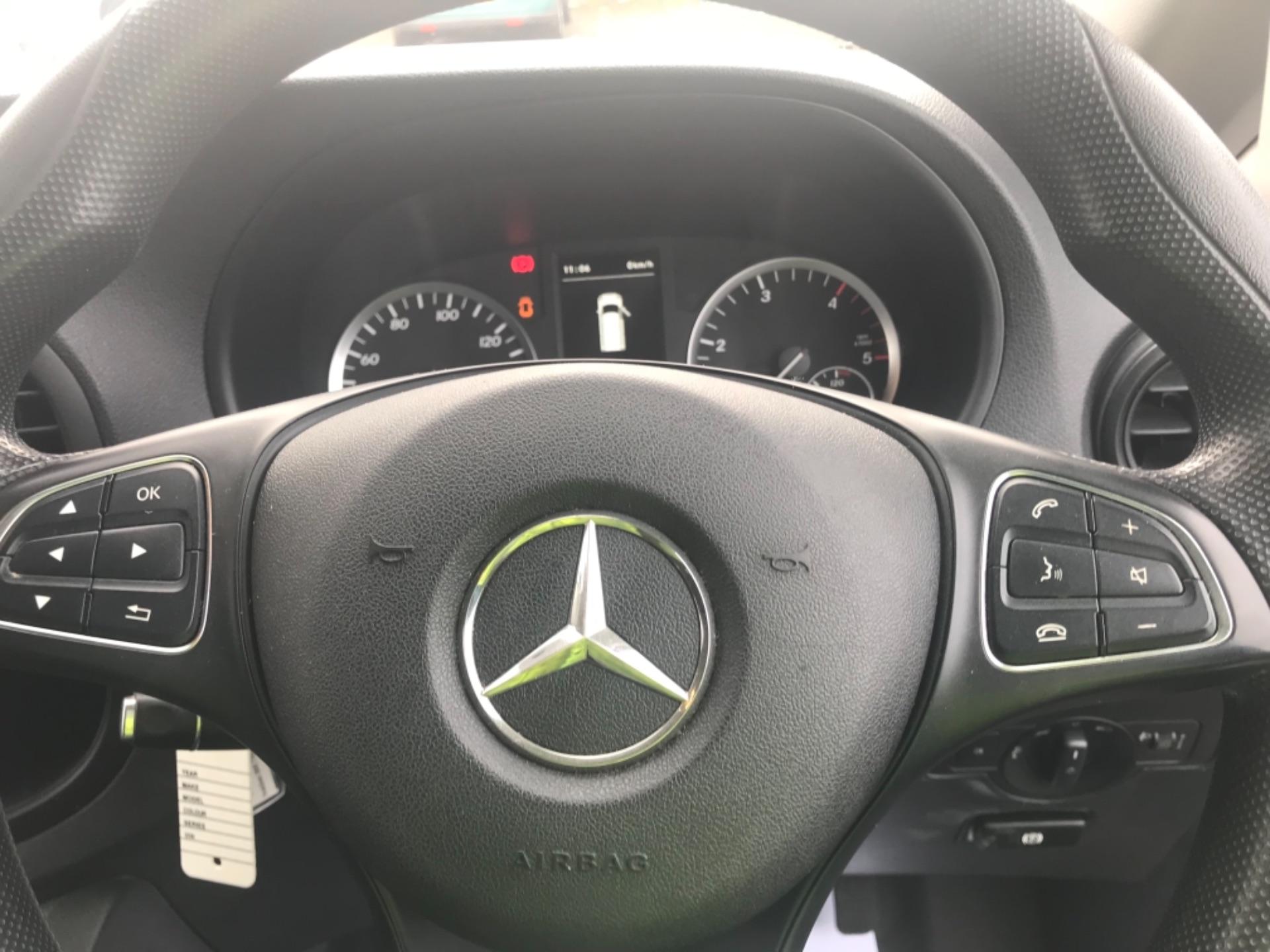 2017 Mercedes-Benz Vito LONG 111CDI VAN EURO 6  (KP67EJC) Image 19