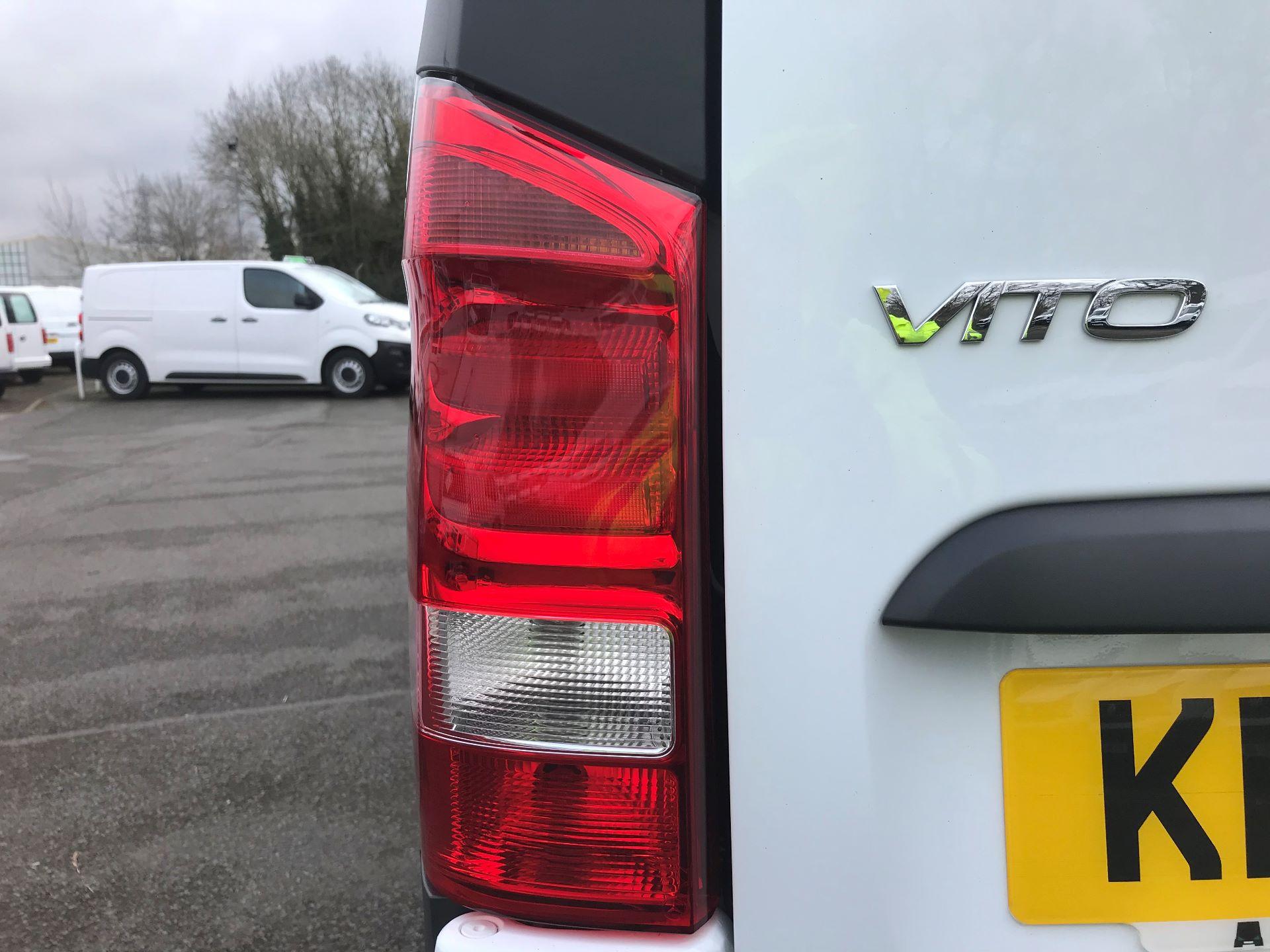 2017 Mercedes-Benz Vito LONG 111CDI VAN EURO 6 (KP67EJK) Image 14