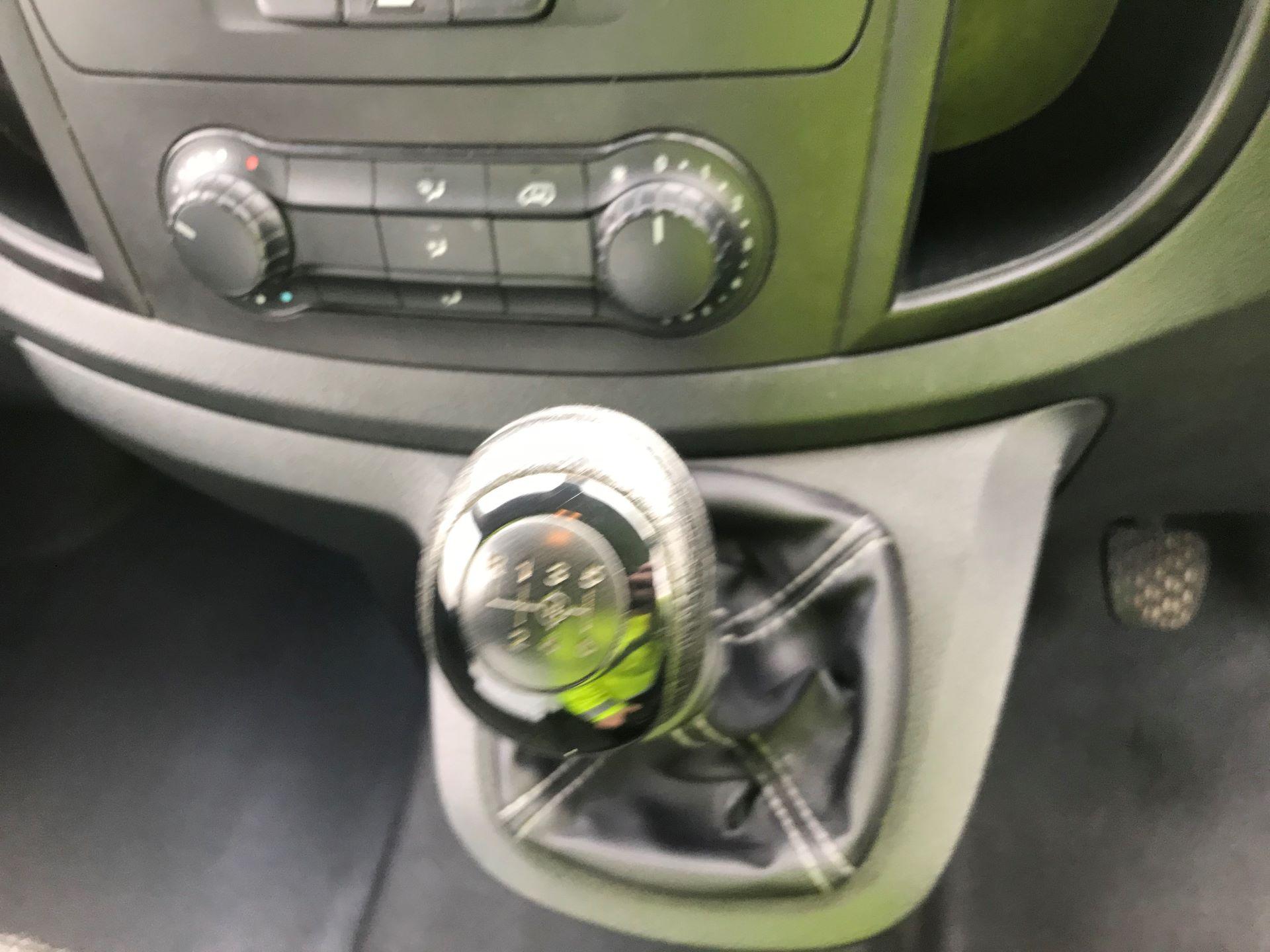 2017 Mercedes-Benz Vito LONG 111CDI VAN EURO 6 (KP67EJK) Image 21