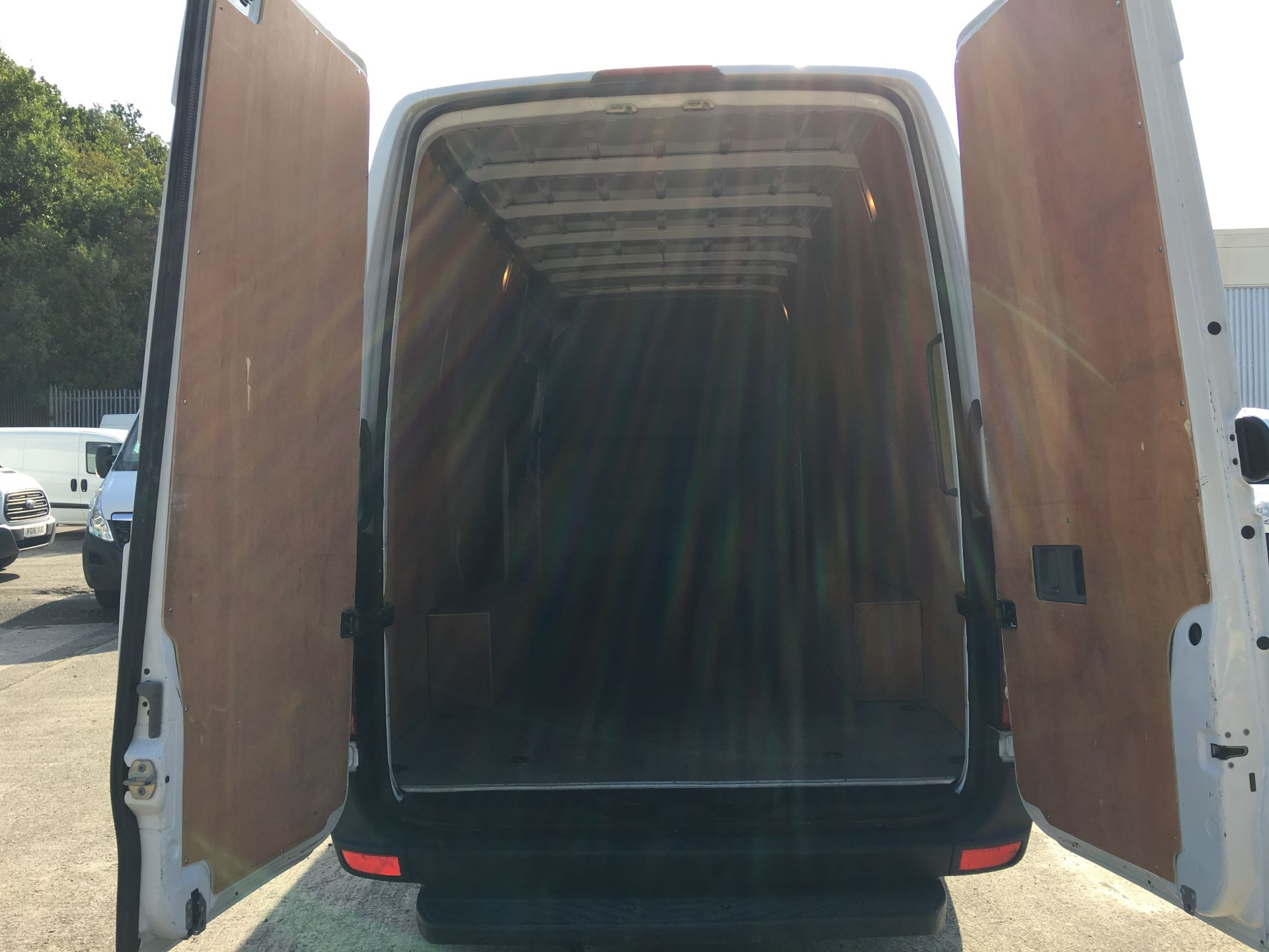 2017 Mercedes-Benz Sprinter 314 CDI LWB HIGH ROOF VAN EURO 6 (KP67EOG) Image 18