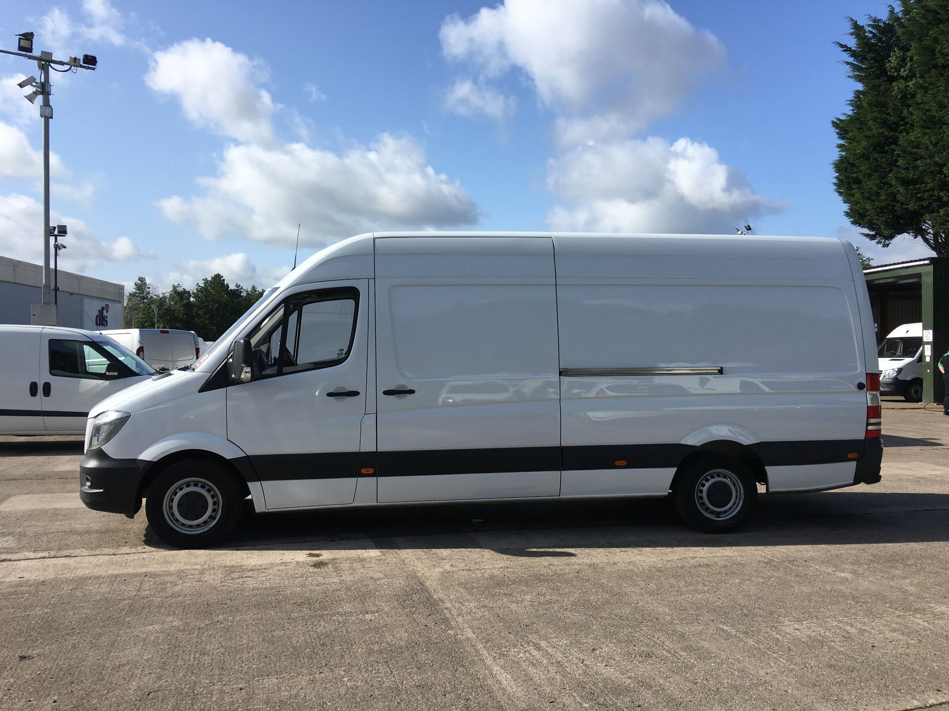 2017 Mercedes-Benz Sprinter 314 CDI LWB HIGH ROOF VAN EURO 6 (KP67EOG) Image 13