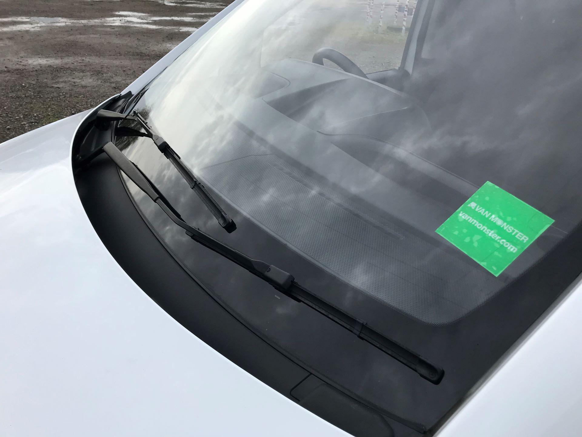2017 Mercedes-Benz Vito LONG 111CDI VAN EURO 5/6  (KP67EOO) Image 20