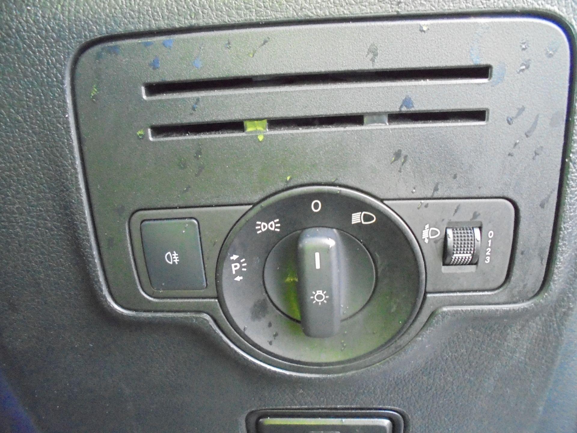2017 Mercedes-Benz Vito 111Cdi Van (KP67EPN) Image 14