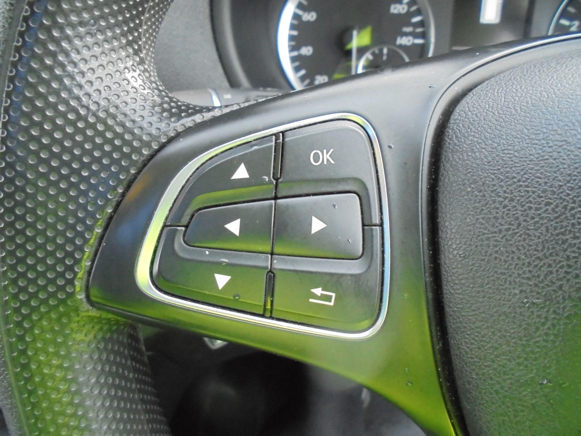 2017 Mercedes-Benz Vito 111Cdi Van (KP67EPN) Image 15