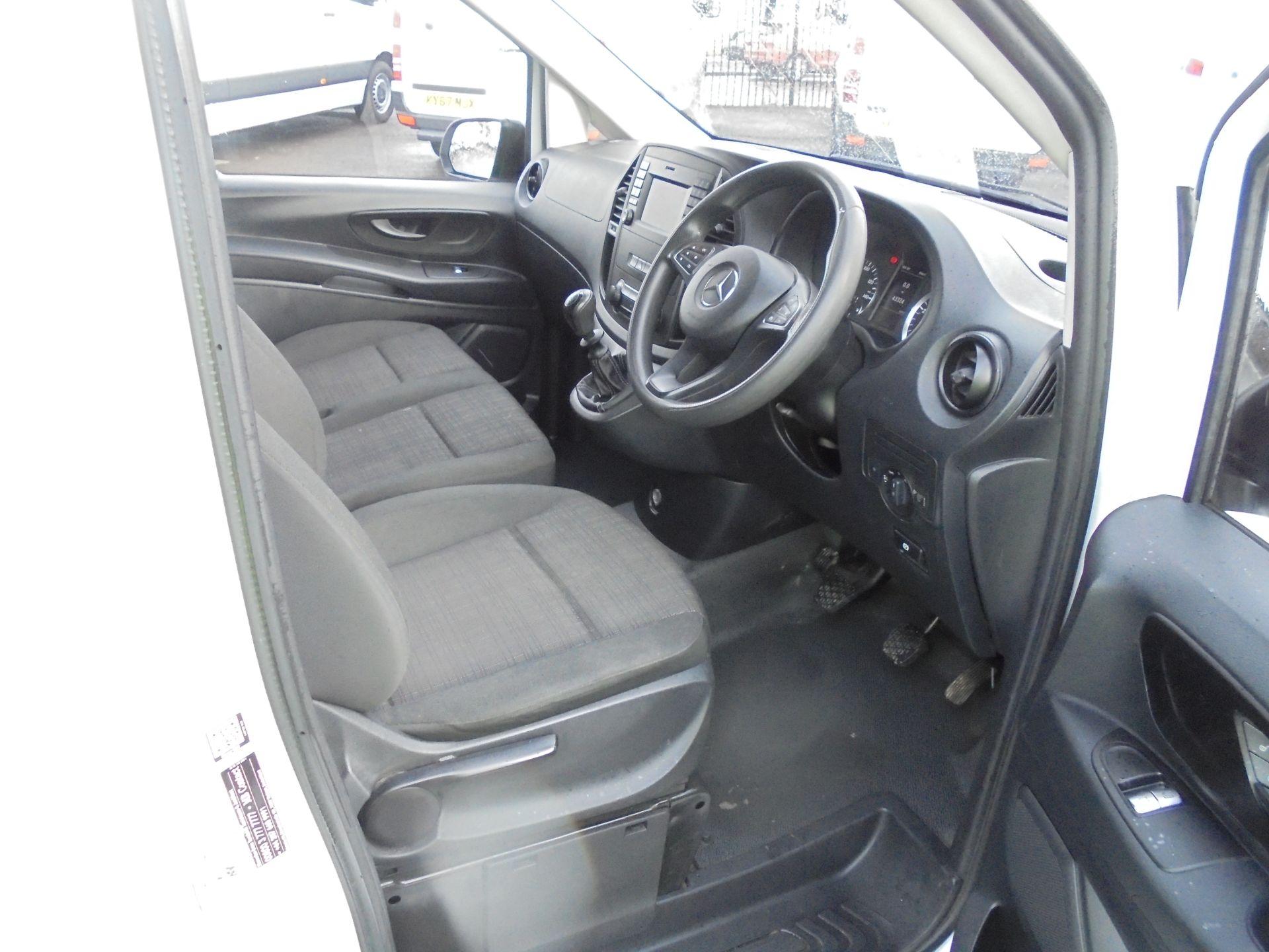 2017 Mercedes-Benz Vito 111Cdi Van (KP67EPN) Image 10