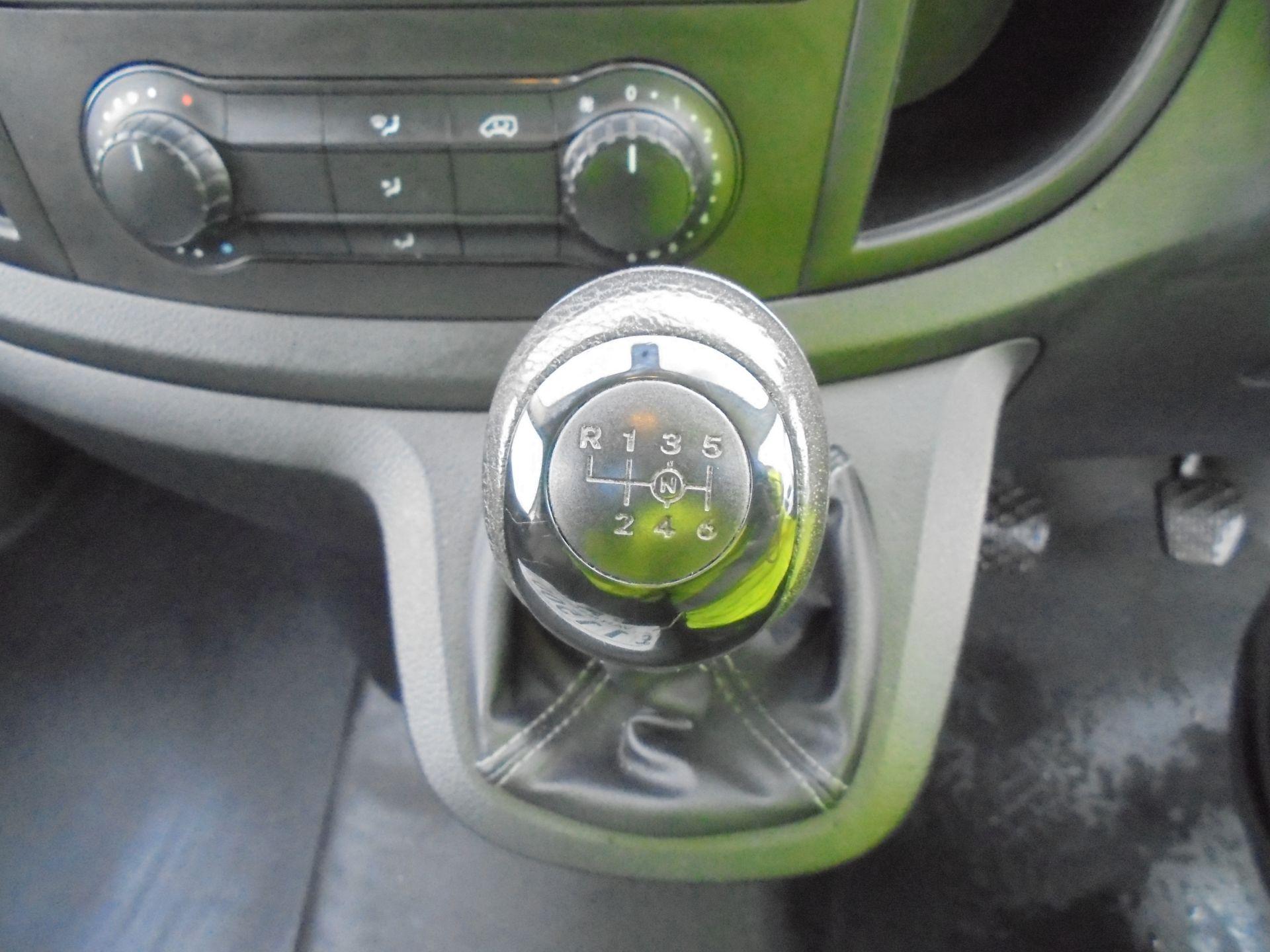 2017 Mercedes-Benz Vito 111Cdi Van (KP67EPN) Image 21
