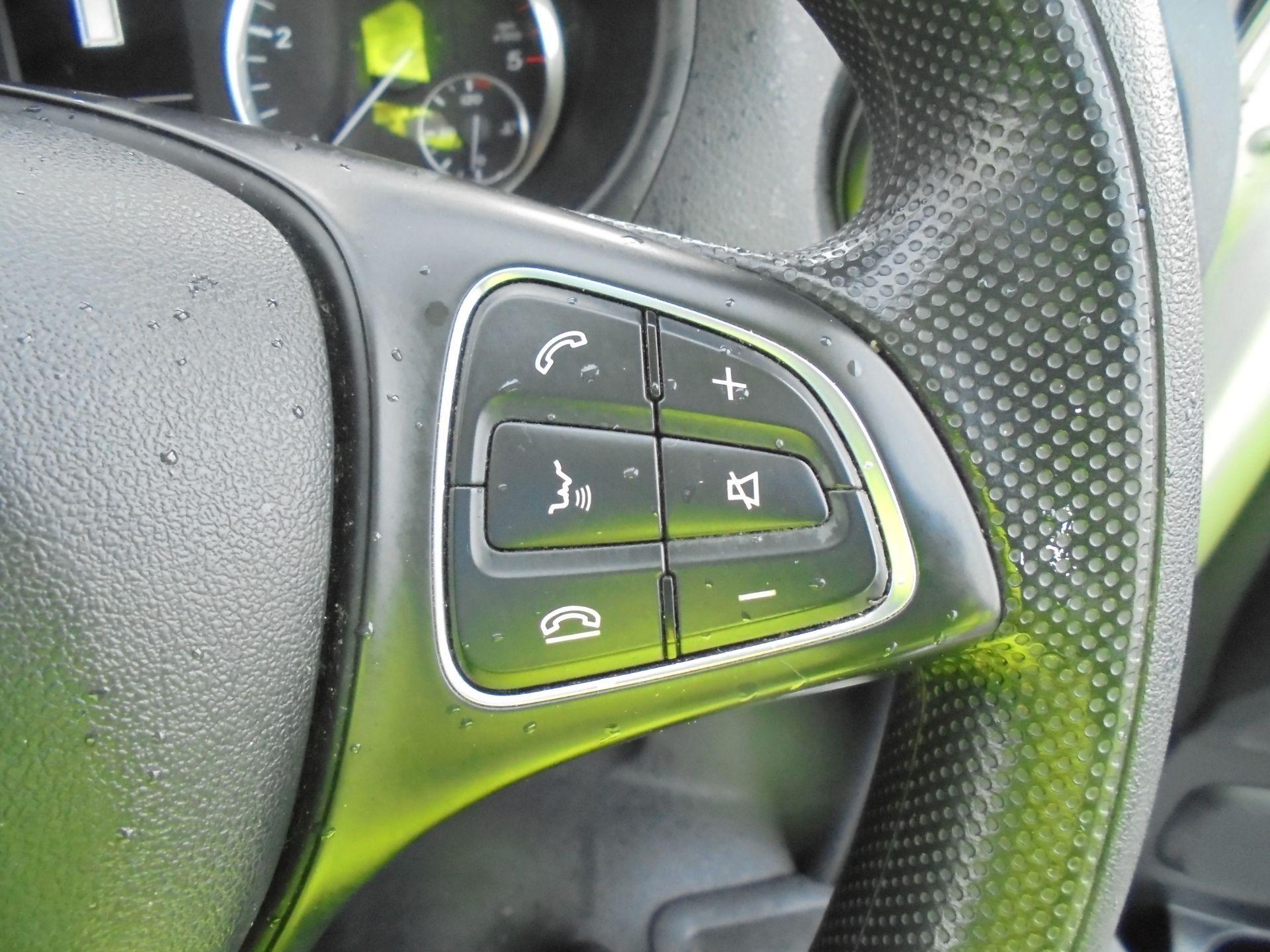 2017 Mercedes-Benz Vito 111Cdi Van (KP67EPN) Image 16