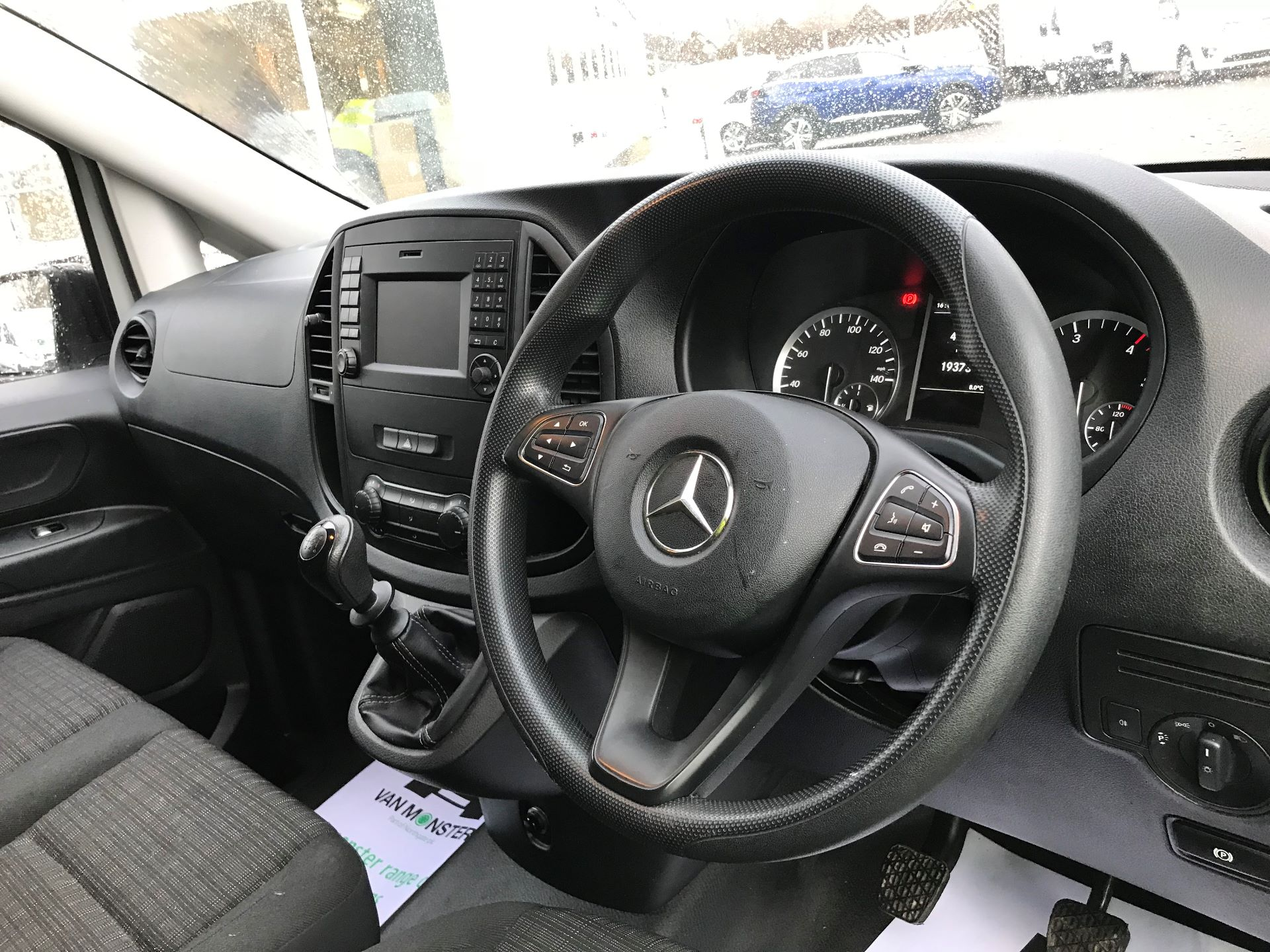 2017 Mercedes-Benz Vito LONG 111CDI VAN EURO 6  (KP67ETT) Image 17