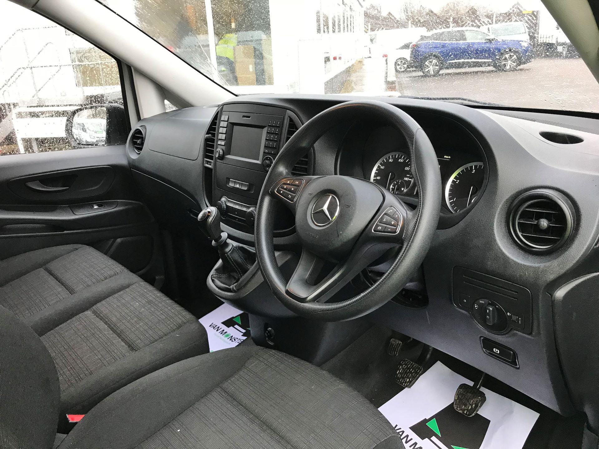 2017 Mercedes-Benz Vito LONG 111CDI VAN EURO 6  (KP67ETT) Image 16