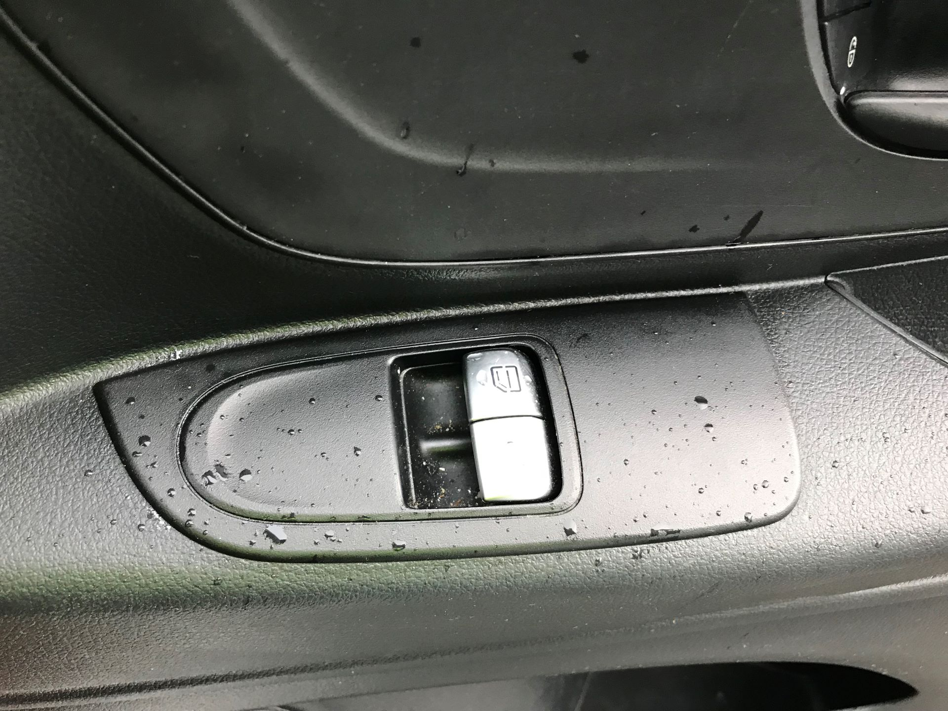 2017 Mercedes-Benz Vito LONG 111CDI VAN EURO 6  (KP67ETT) Image 25