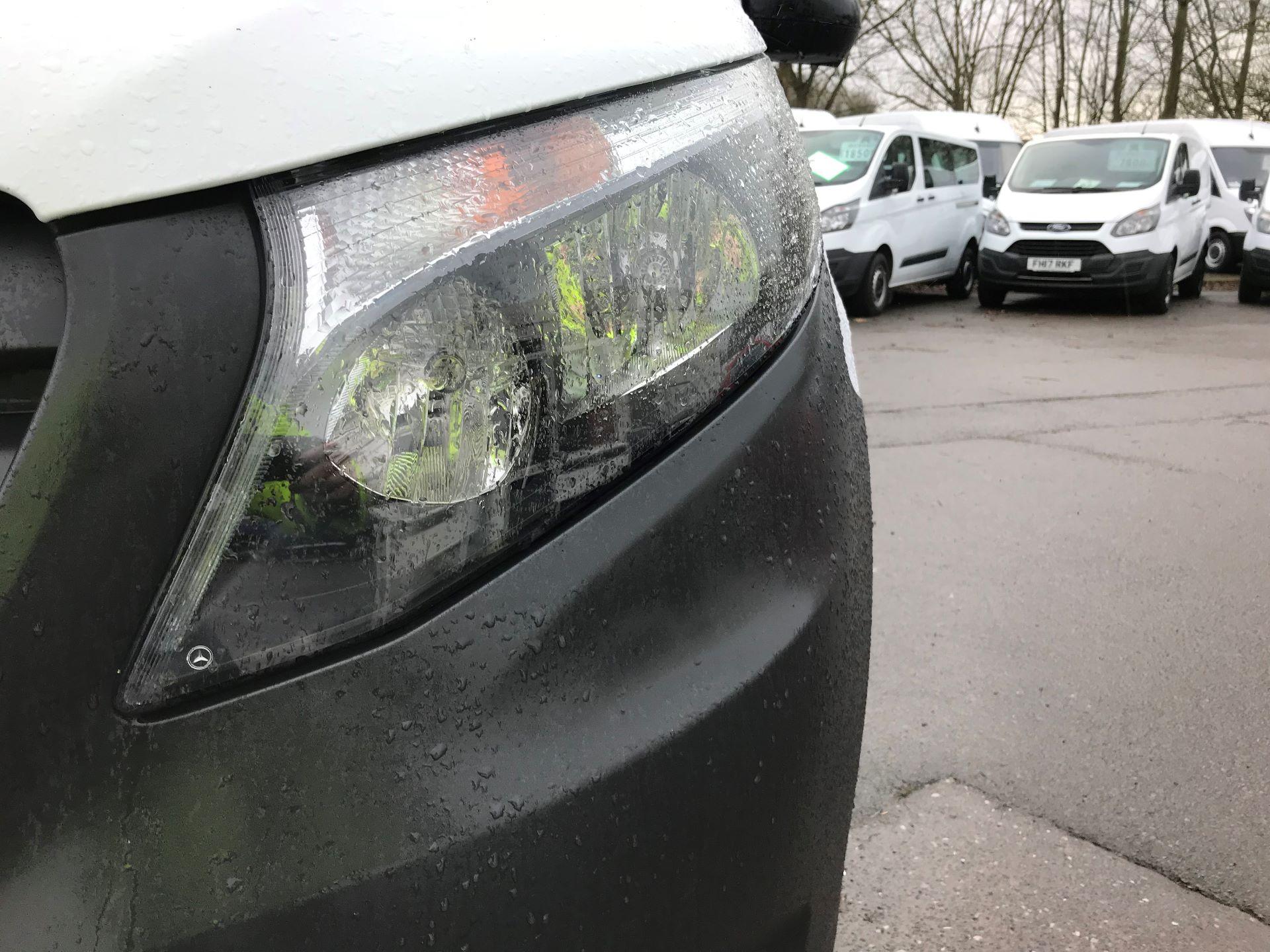 2017 Mercedes-Benz Vito LONG 111CDI VAN EURO 6  (KP67ETT) Image 13