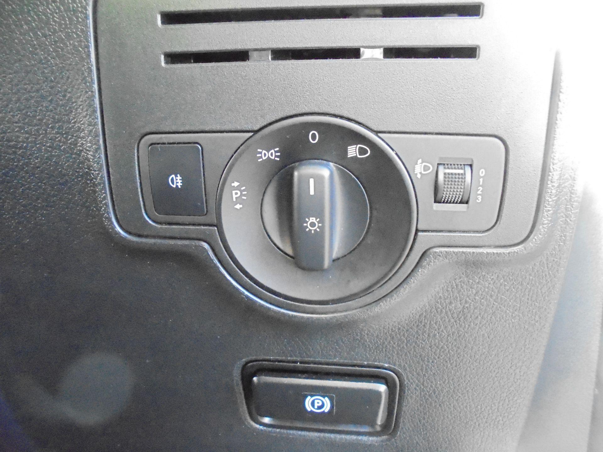 2017 Mercedes-Benz Vito 111Cdi Van (KP67EUO) Image 14
