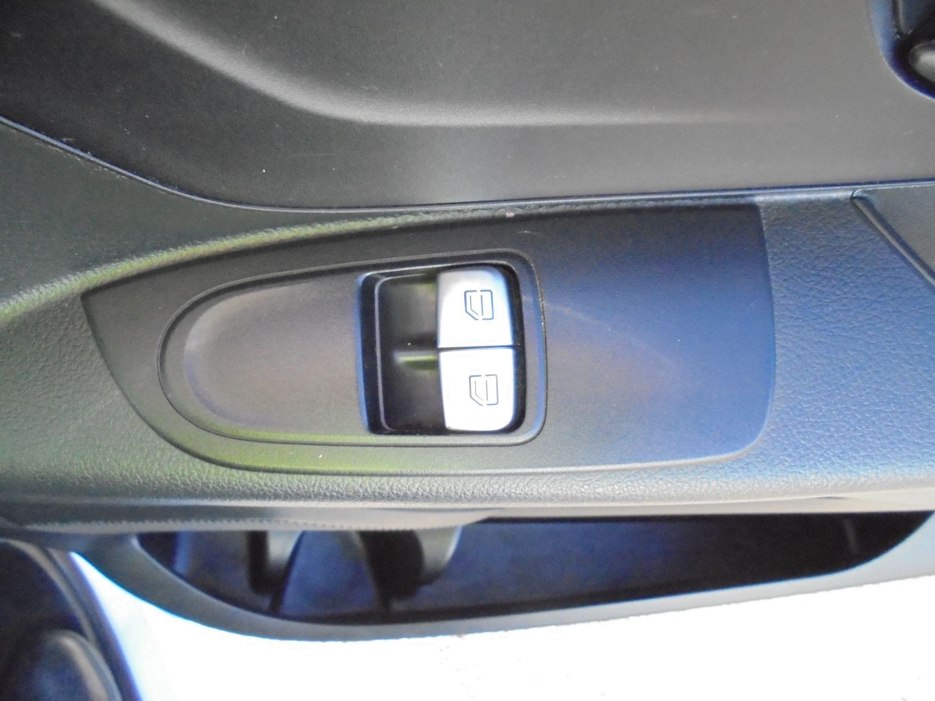 2017 Mercedes-Benz Vito 111Cdi Van (KP67EUO) Image 13