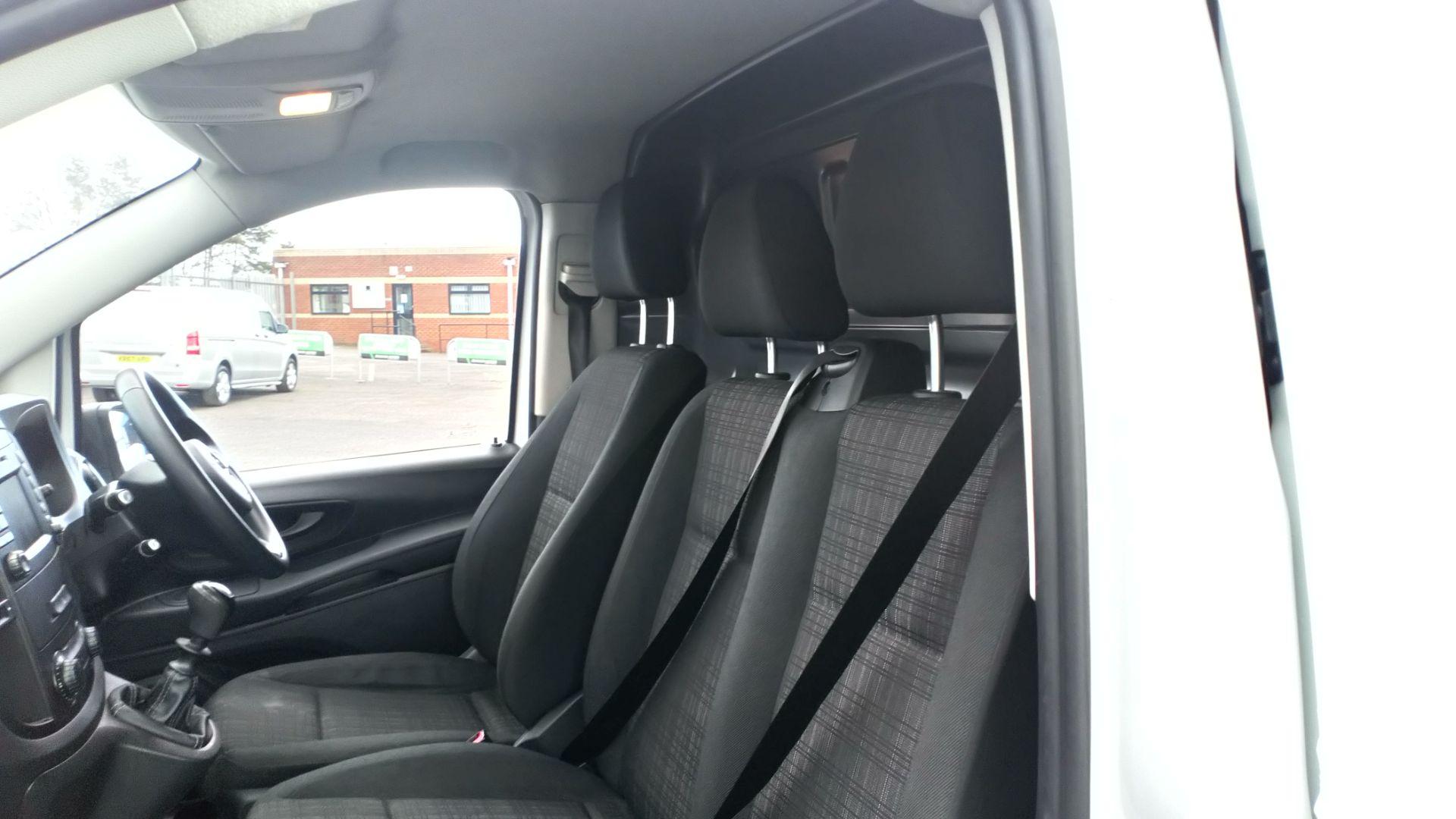2017 Mercedes-Benz Vito 111Cdi Van (KP67MKZ) Image 15
