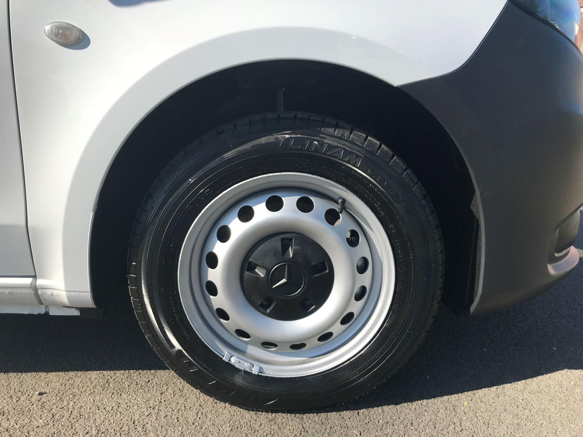 2017 Mercedes-Benz Vito 111Cdi Van (KP67MPX) Image 9
