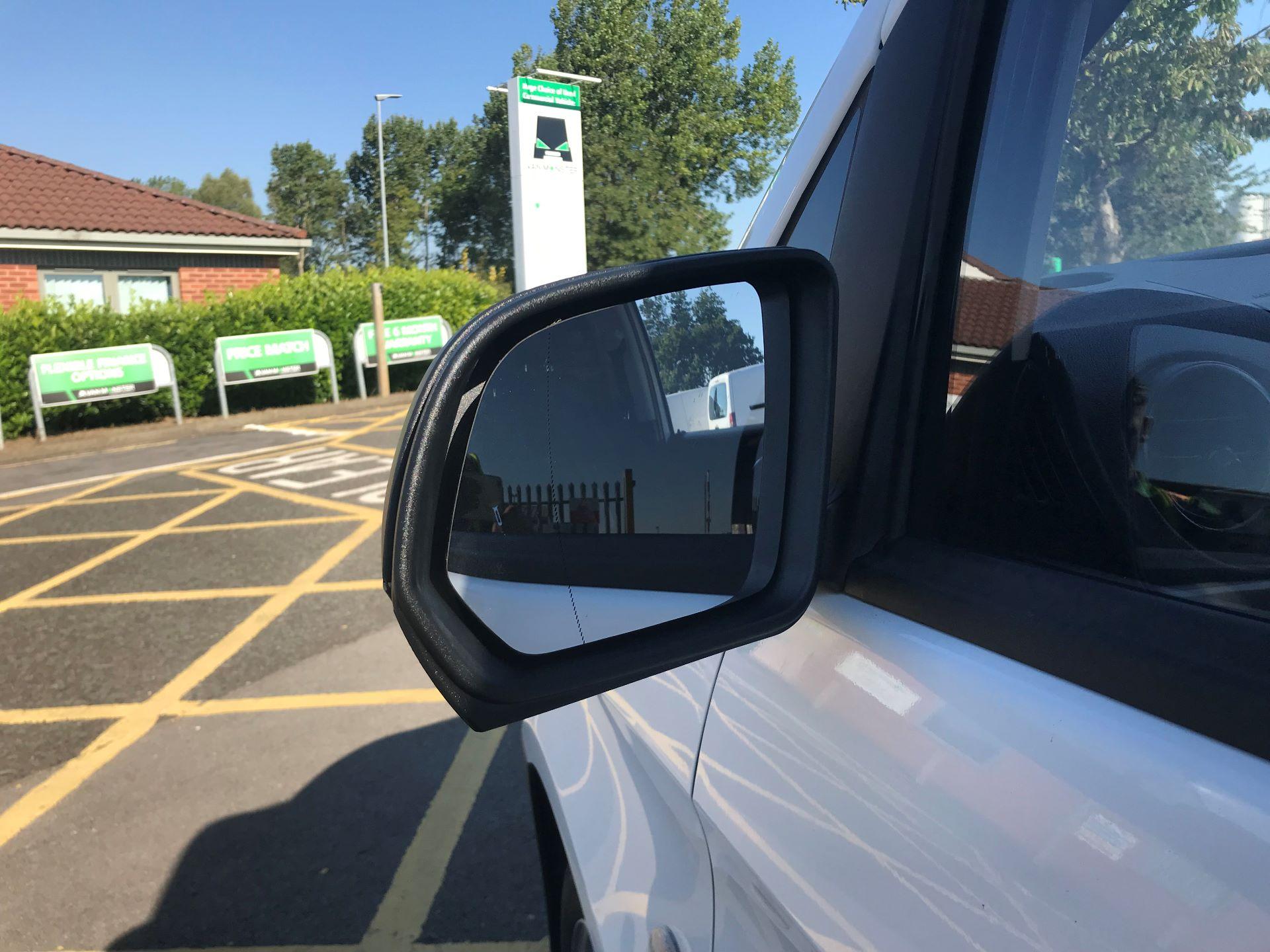 2017 Mercedes-Benz Vito 111Cdi Van (KP67MPX) Image 14