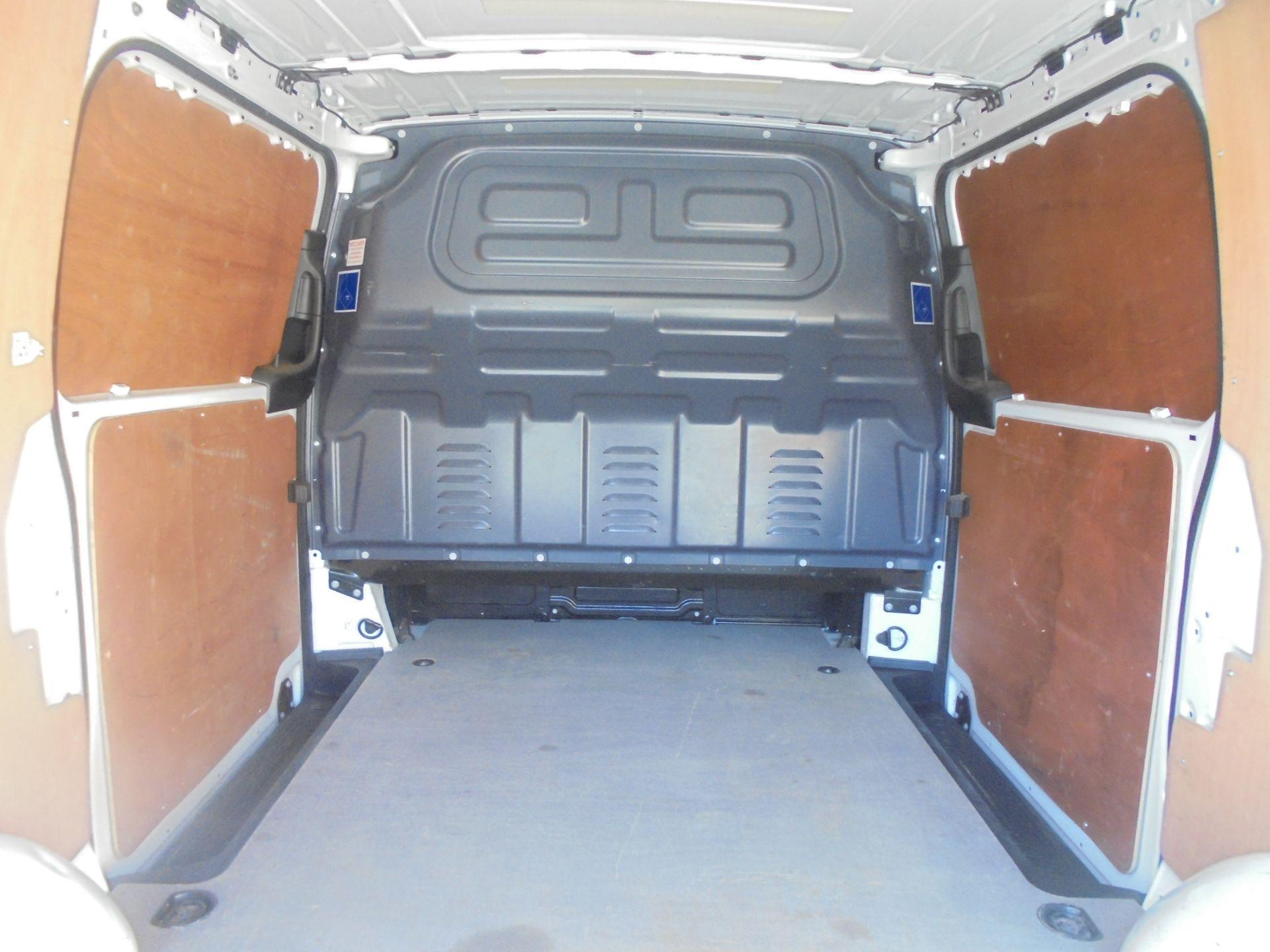2017 Mercedes-Benz Vito 111Cdi Van (KP67MSV) Image 10