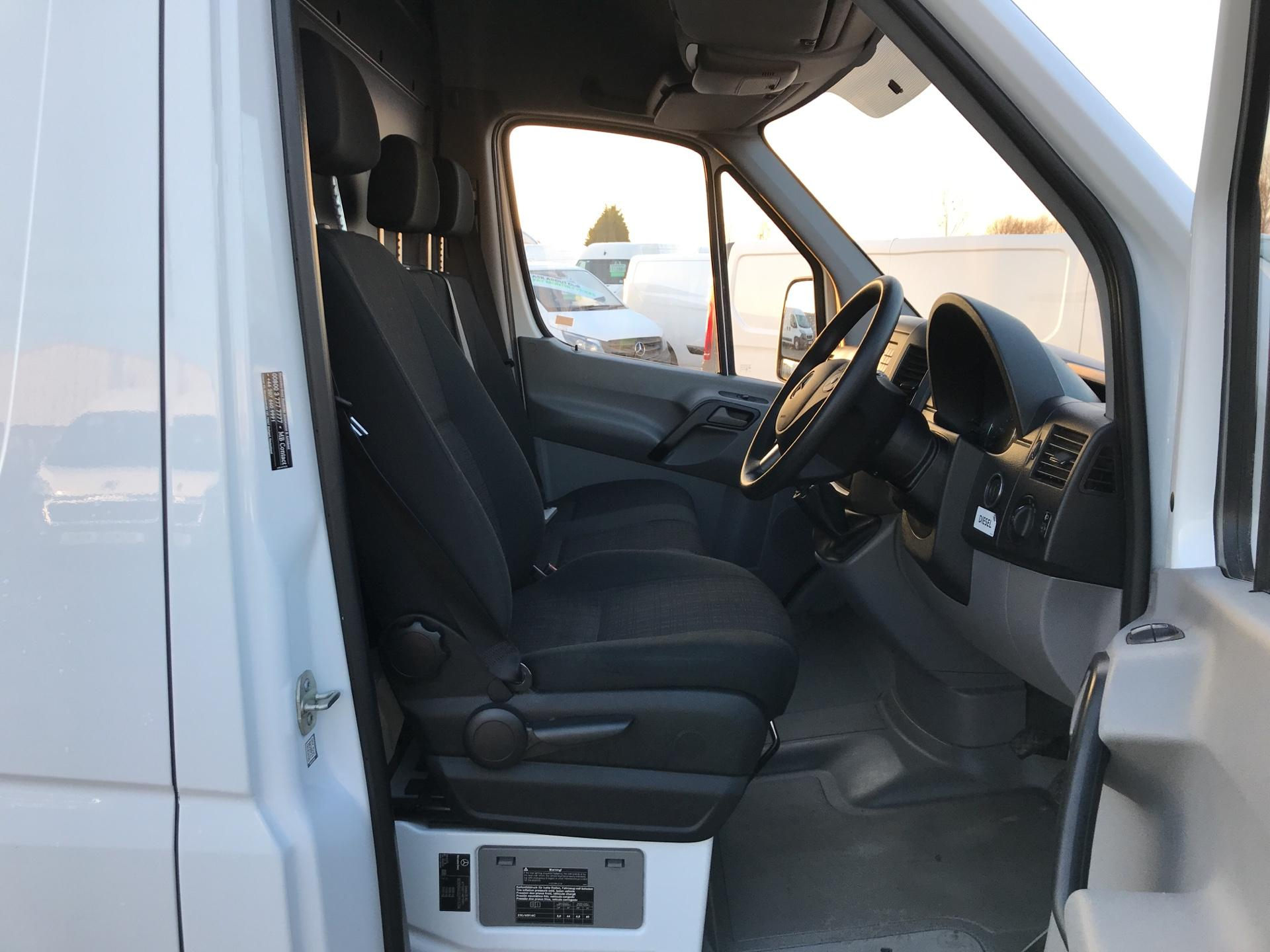 2017 Mercedes-Benz Sprinter  314 LWB 3.5T HIGH ROOF VAN EURO 6 (KP67ZRO) Image 9
