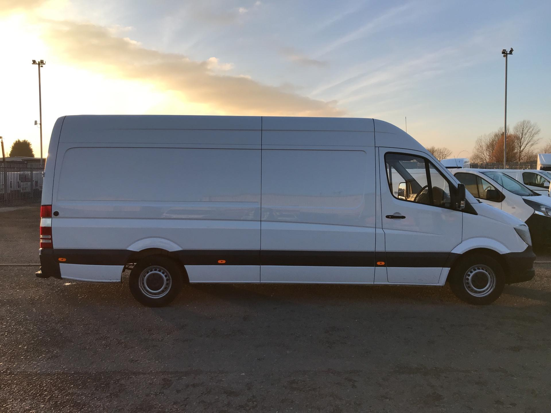 2017 Mercedes-Benz Sprinter  314 LWB 3.5T HIGH ROOF VAN EURO 6 (KP67ZRO) Image 2