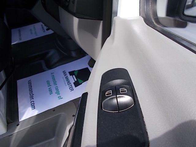 2017 Mercedes-Benz Sprinter  314 LWB H/R VAN EURO 6 (KP67ZST) Image 23