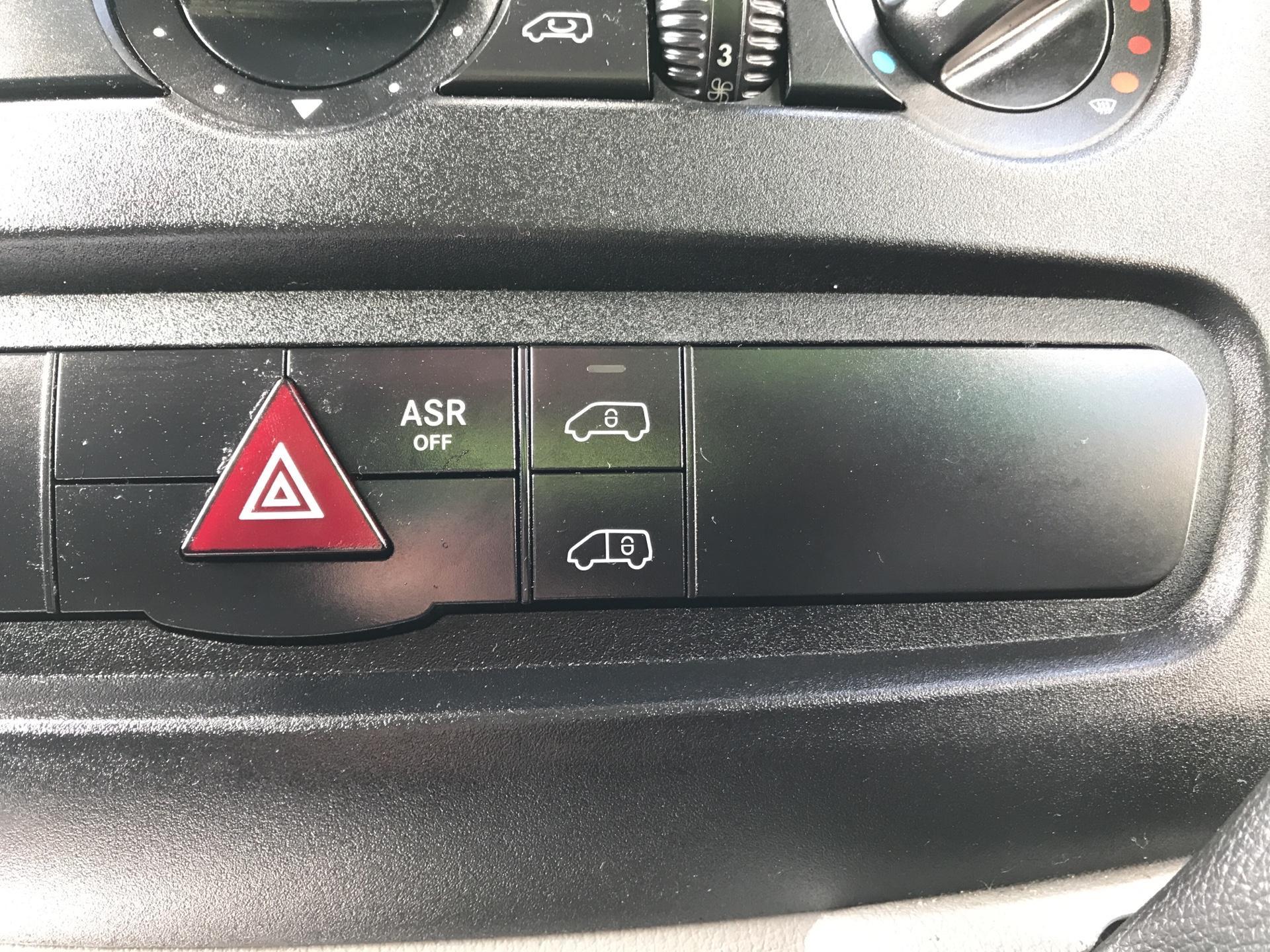 2017 Mercedes-Benz Sprinter  314 LWB H/R VAN EURO 6 (KP67ZTZ) Image 21