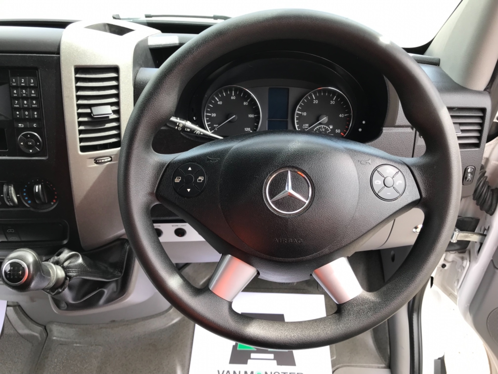 2017 Mercedes-Benz Sprinter 314 3.5t MWB Euro 6 (KP67ZVY) Image 14