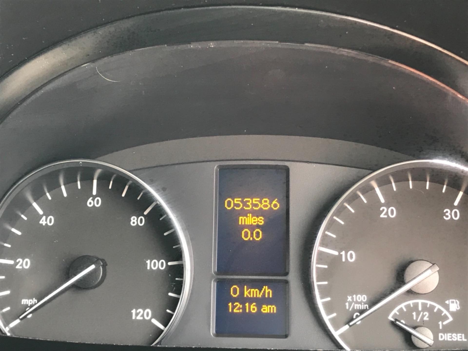 2017 Mercedes-Benz Sprinter 314 3.5t MWB Euro 6 (KP67ZVY) Image 9