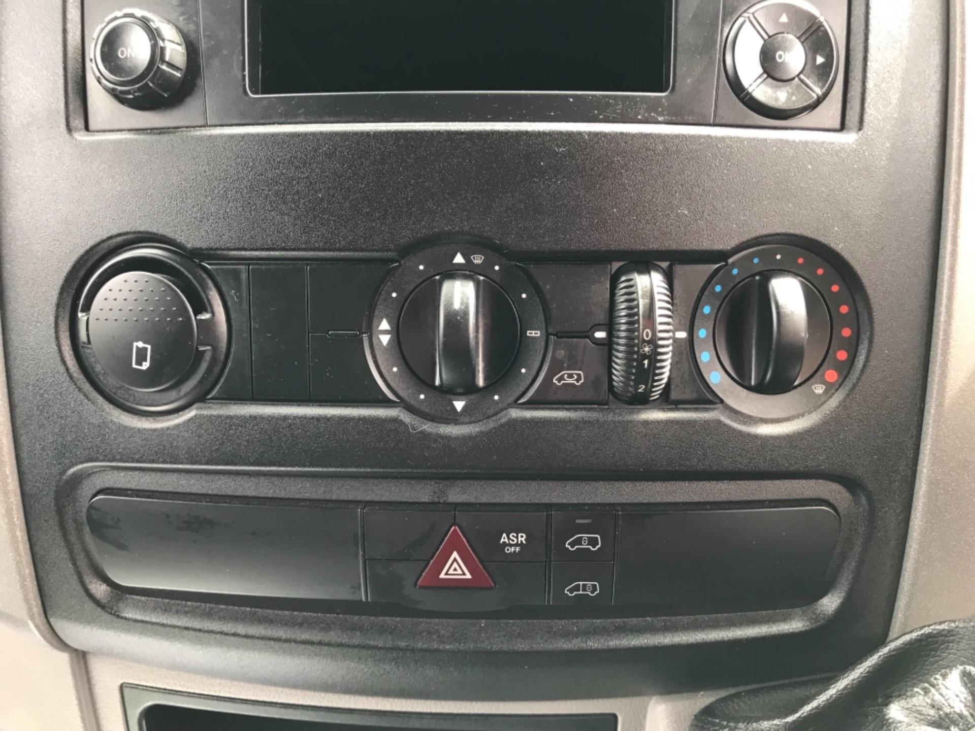 2017 Mercedes-Benz Sprinter 314 3.5t MWB Euro 6 (KP67ZVY) Image 23