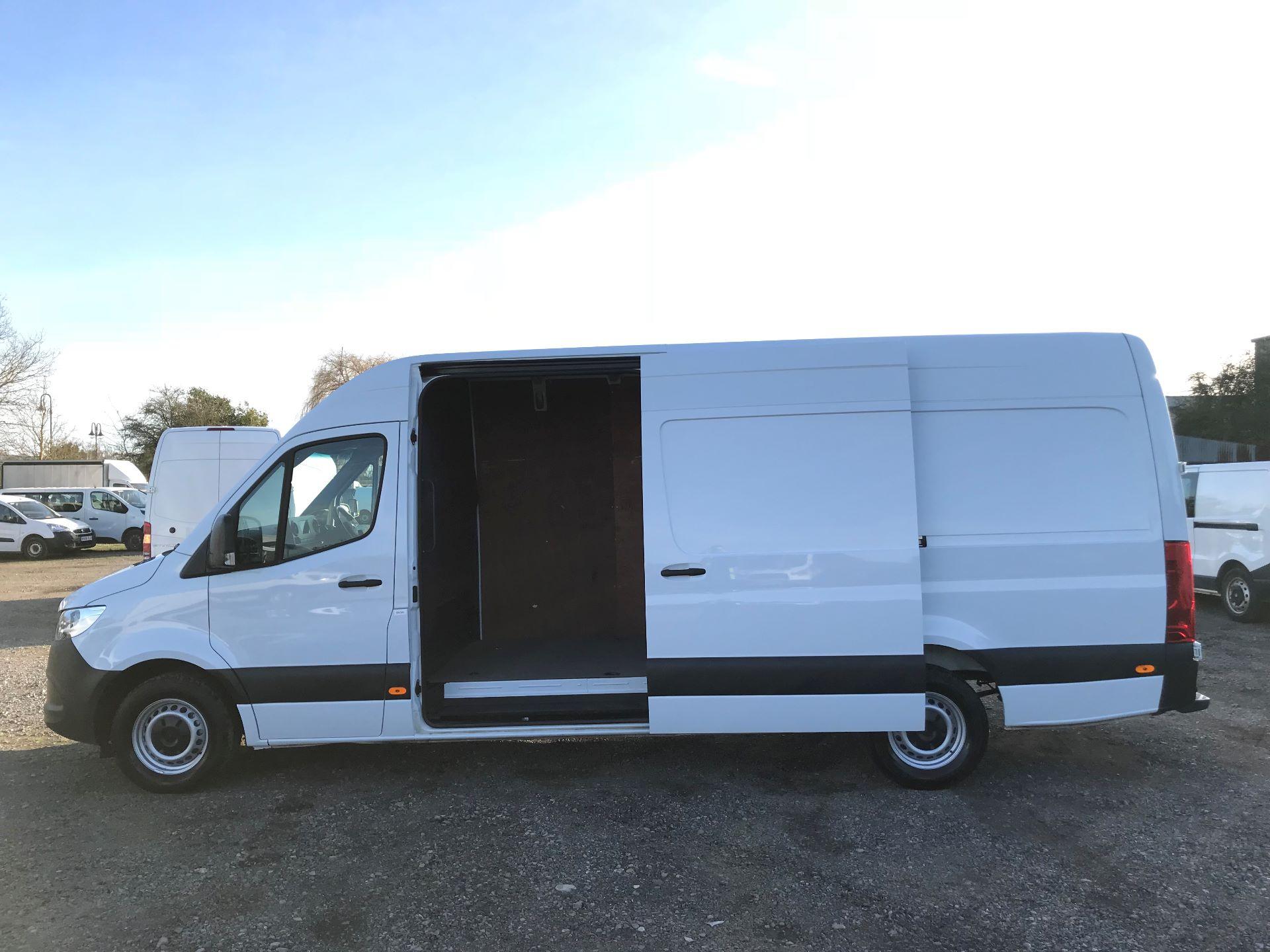 2018 Mercedes-Benz Sprinter 3.5T H2 Van (KP68NXK) Image 11