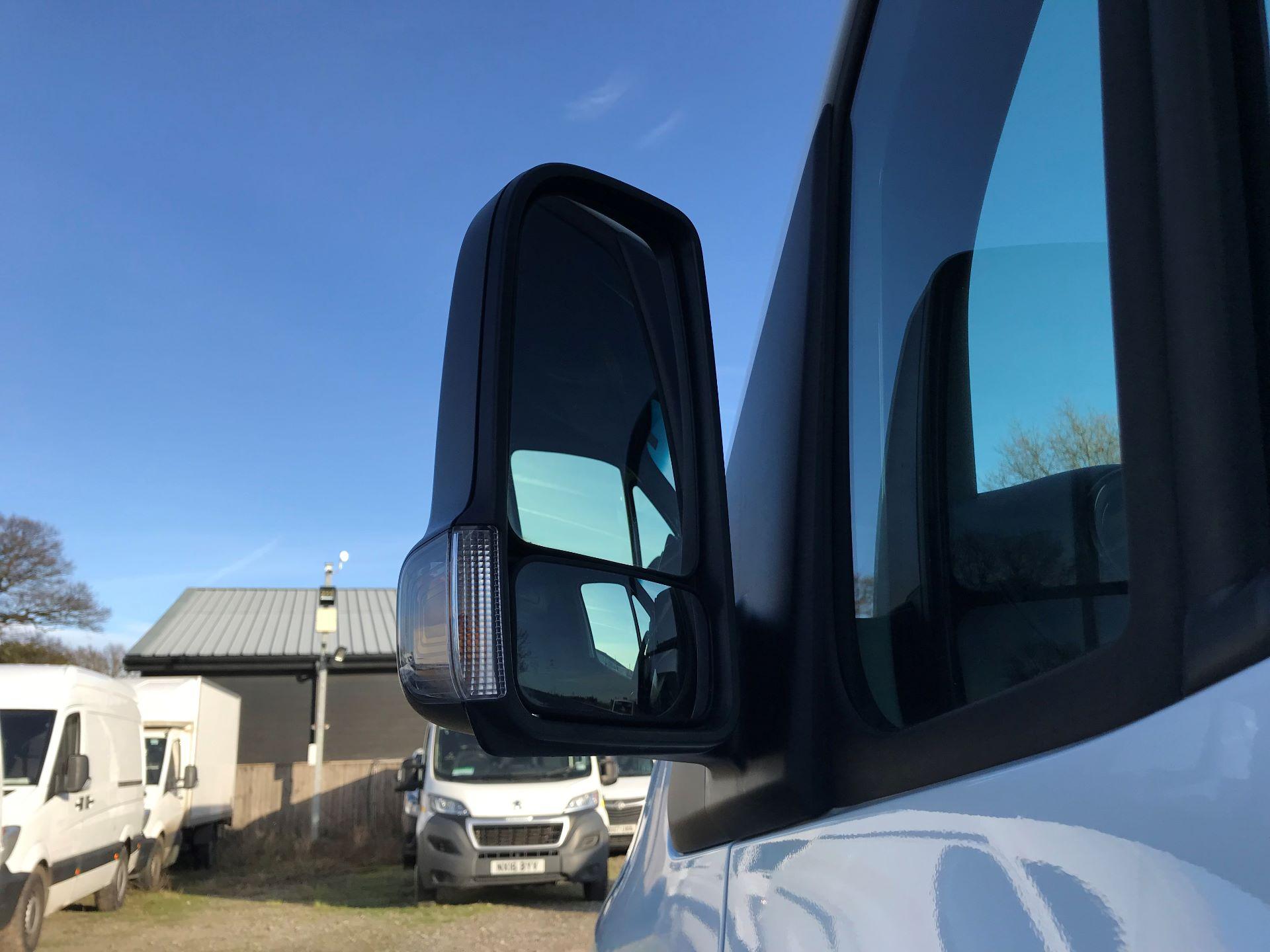 2018 Mercedes-Benz Sprinter 3.5T H2 Van (KP68NXK) Image 12