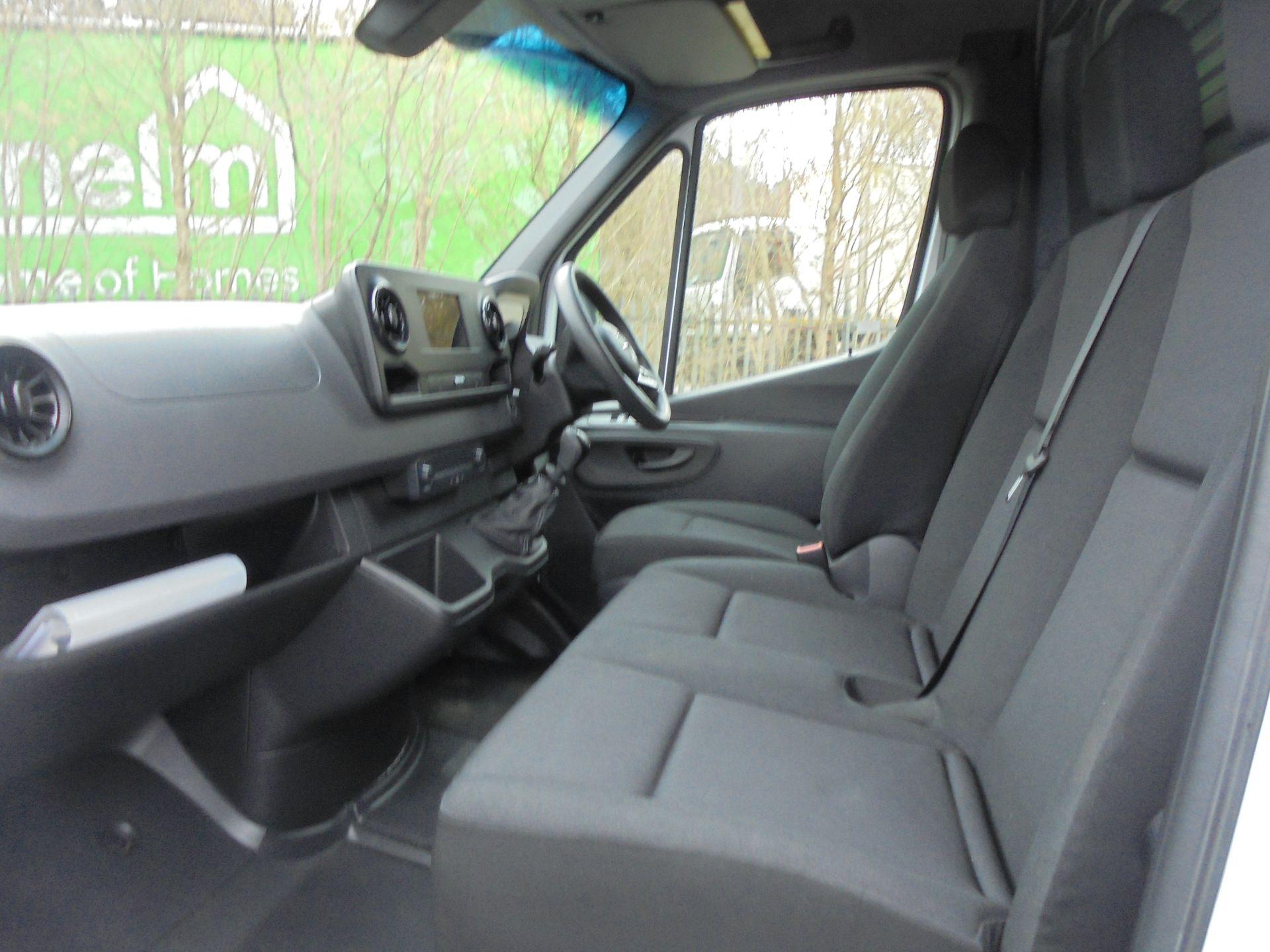 2019 Mercedes-Benz Sprinter 316 LWB 3.5T H2 Van (KP69ZDT) Image 5