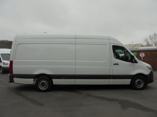 2019 Mercedes-Benz Sprinter 316 LWB 3.5T H2 Van (KP69ZDT) Image 11