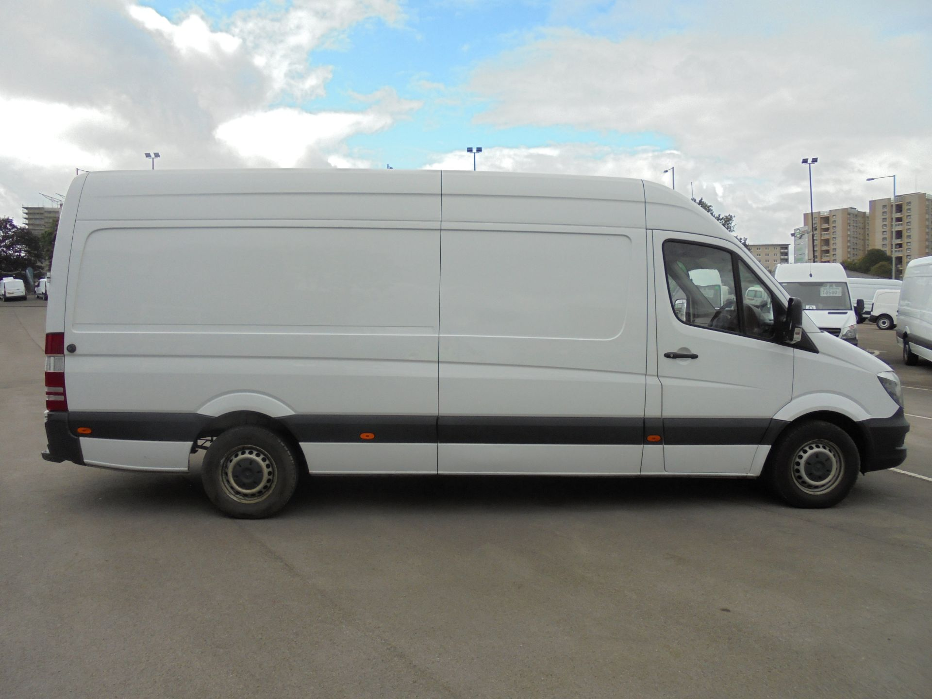 2017 Mercedes-Benz Sprinter 314 CDI 3.5T High Roof Van (KR17TJX) Thumbnail 8