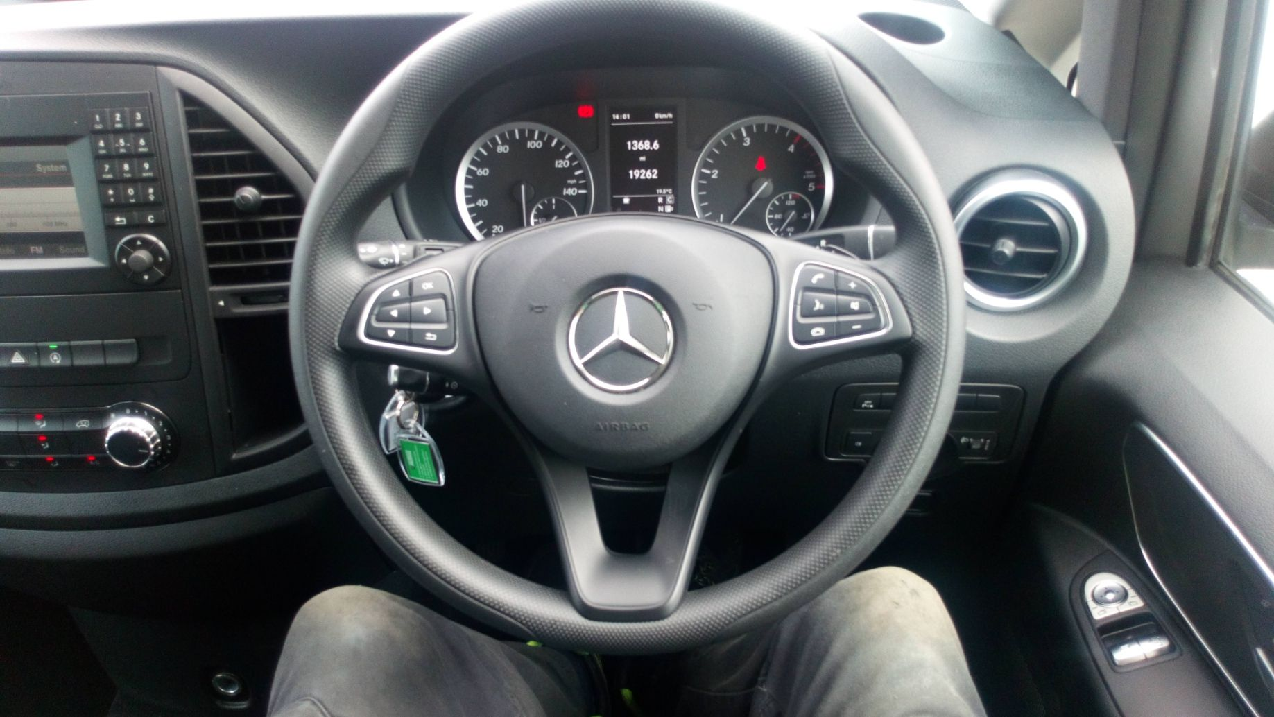 2019 Mercedes-Benz Vito 119 Bluetec Tourer Select 7-Gtronic 9 Seats Euro 6 (KR19UVX) Image 18